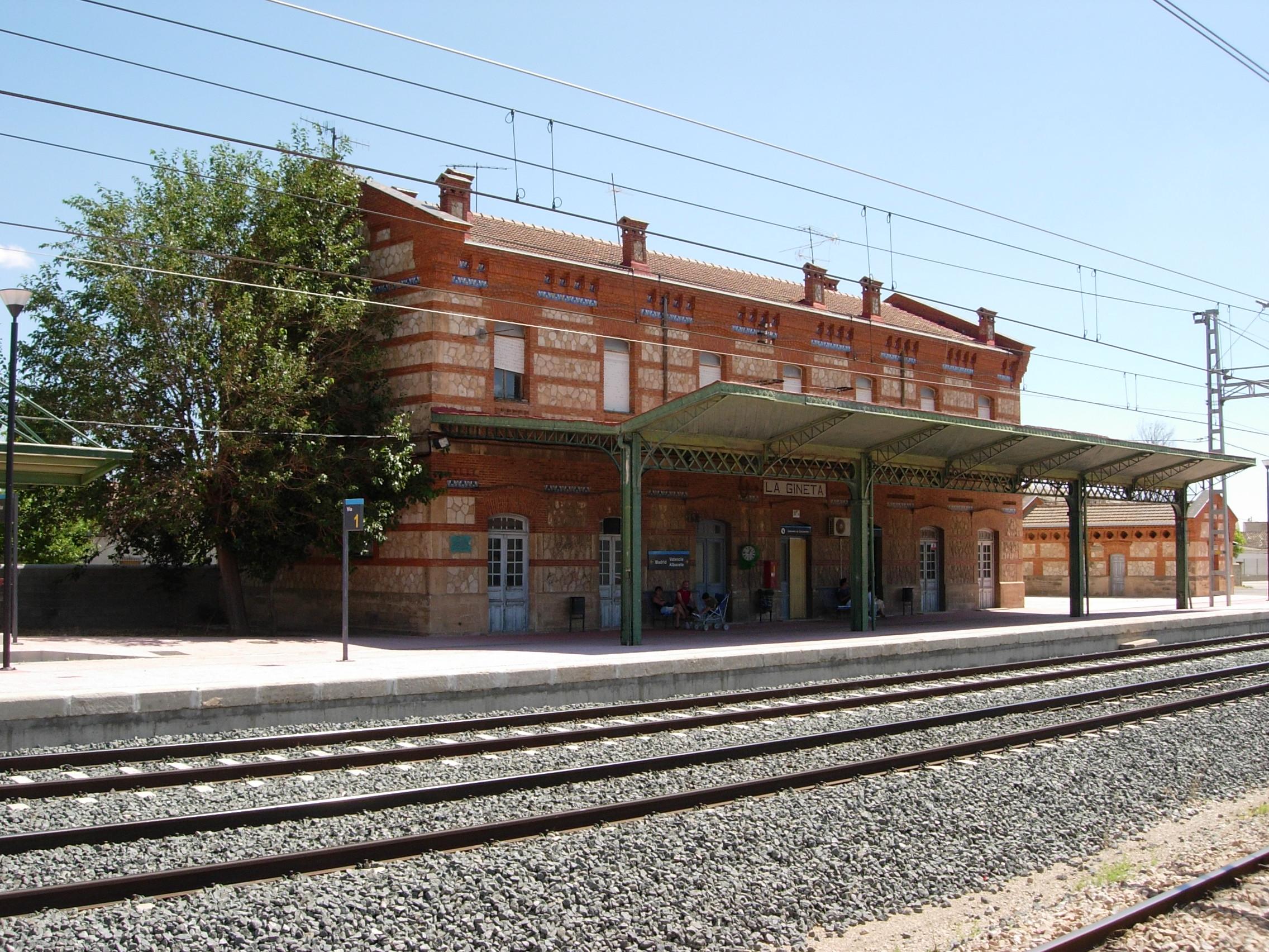 Archivo Estaci N Ferrocarril La Gineta Jpg Wikipedia La  # Muebles Gineta Albacete