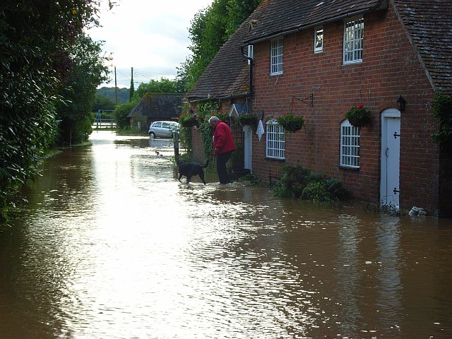 English: Flooding in Bucklebury The scene in t...