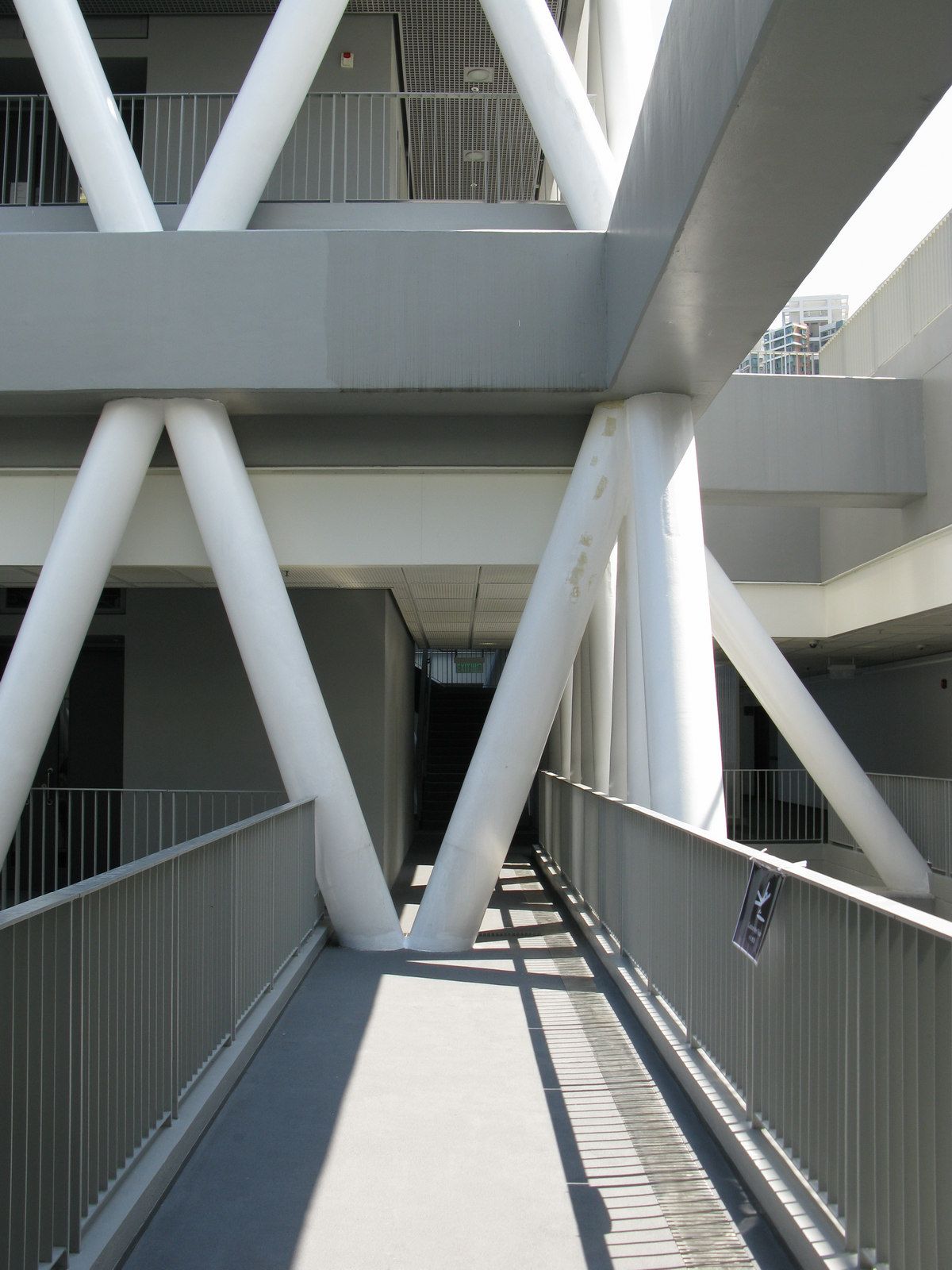 file hong kong design institute v shaped