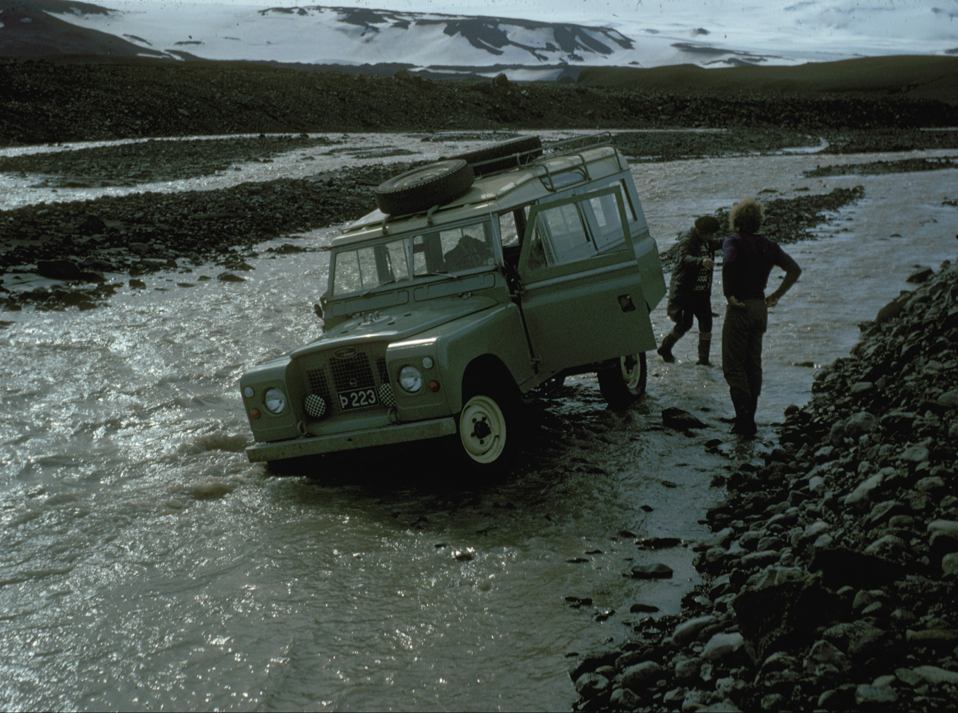 Image:Iceland car stuck in river 1972