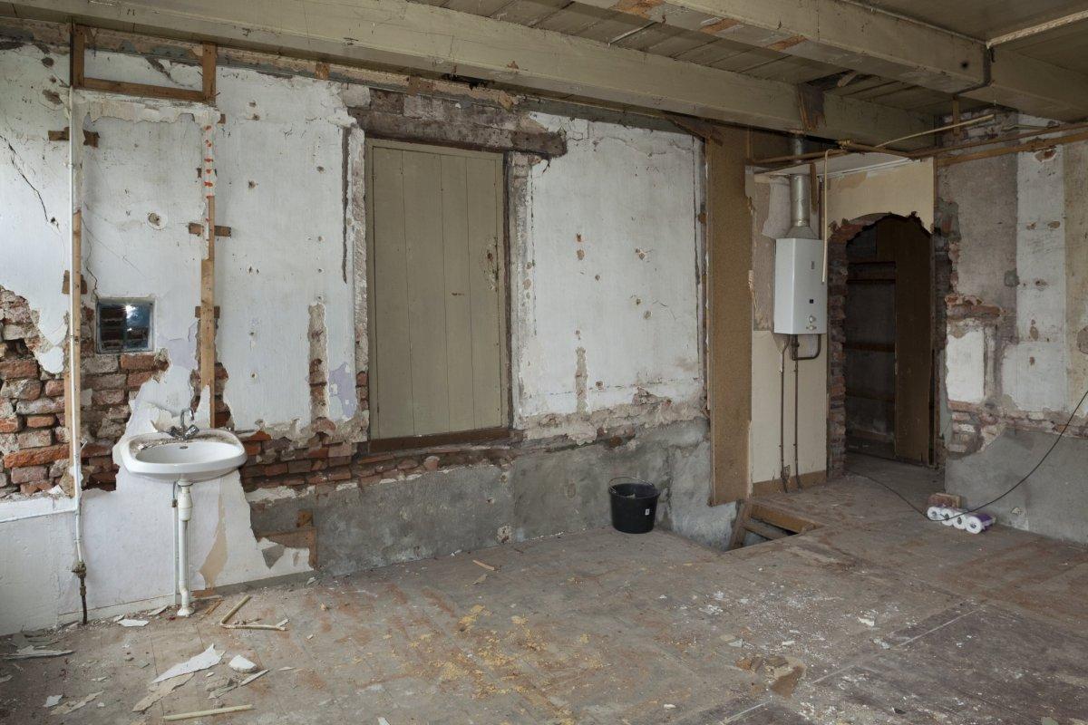 File interieur overzicht woonkamer met vroegere opkamer wedde 20530415 - Interieur woonkamer ...