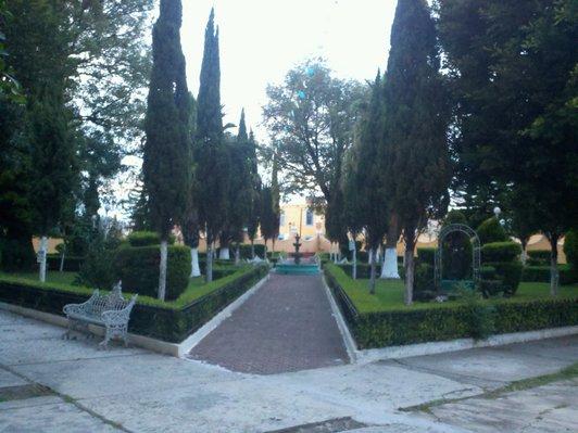 File jard n del ex convento franciscano en cholula de for Jardin del convento