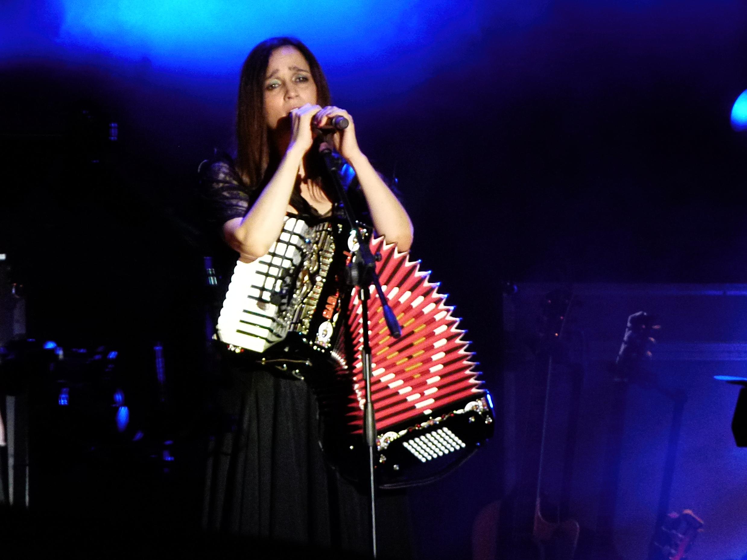 Presentación de Julieta Venegas en 2012 en la Noche de las Librerías en Buenos Aires, Argentina.