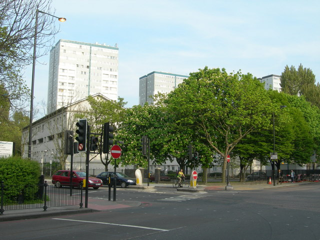 File:Junction of Hornsey Road and Tollington Road, N7 - geograph.org.uk - 408644.jpg