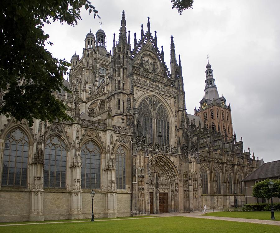 File:Kathedraal Den Bosch.jpg - Wikimedia Commons