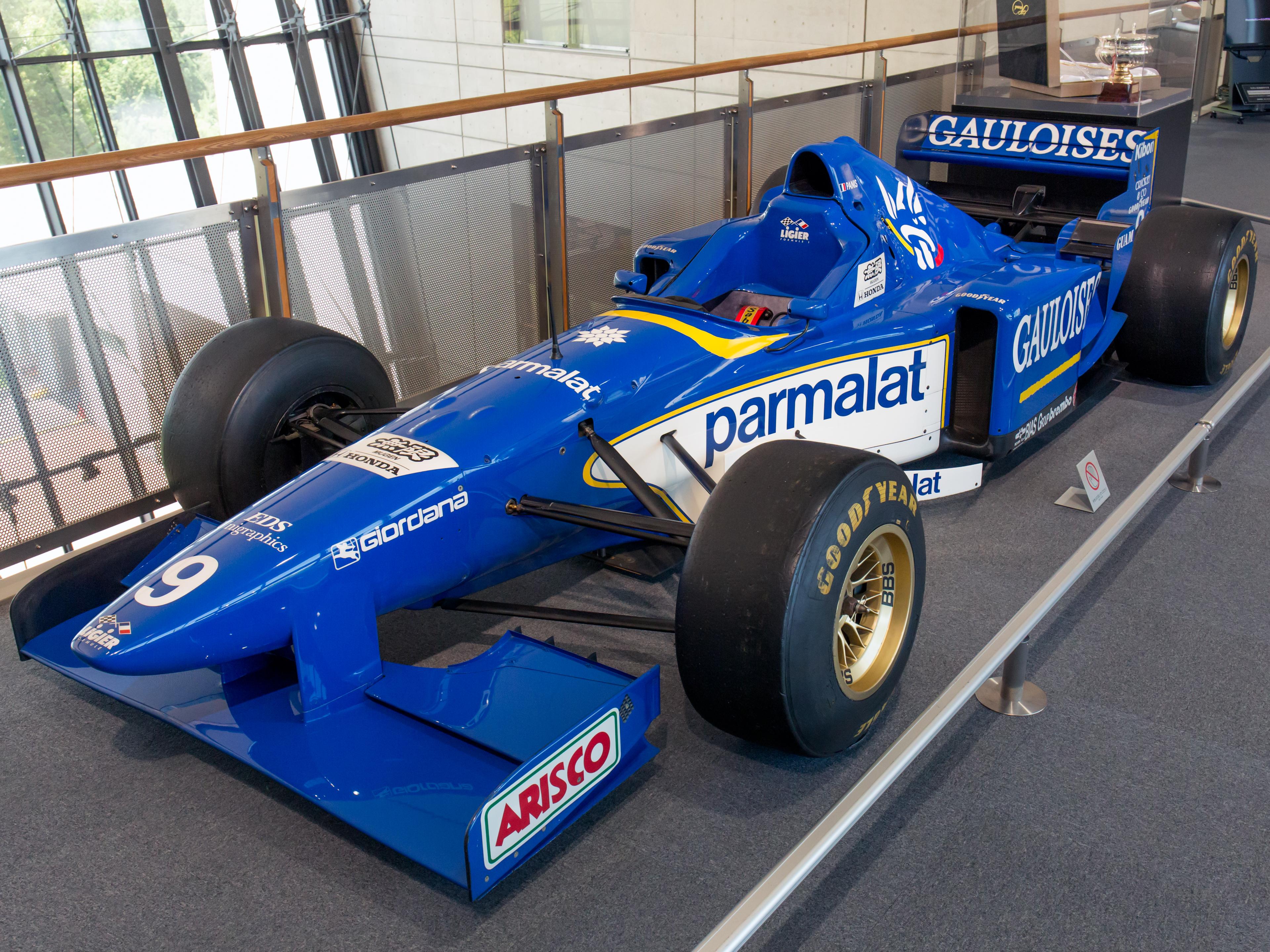 Ligier_JS43_front-left_Honda_Collection_Hall.jpg