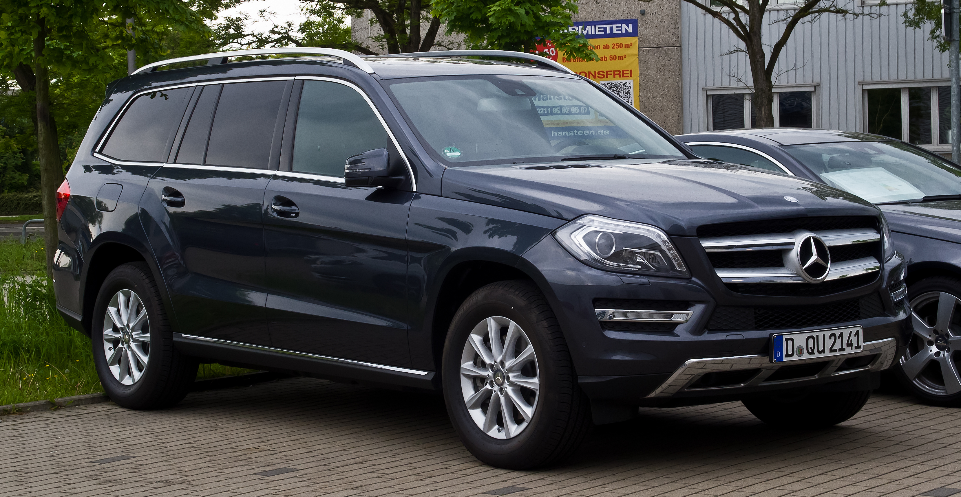 file mercedes benz gl 350 bluetec 4matic x 166 frontansicht 25 mai 2013. Black Bedroom Furniture Sets. Home Design Ideas