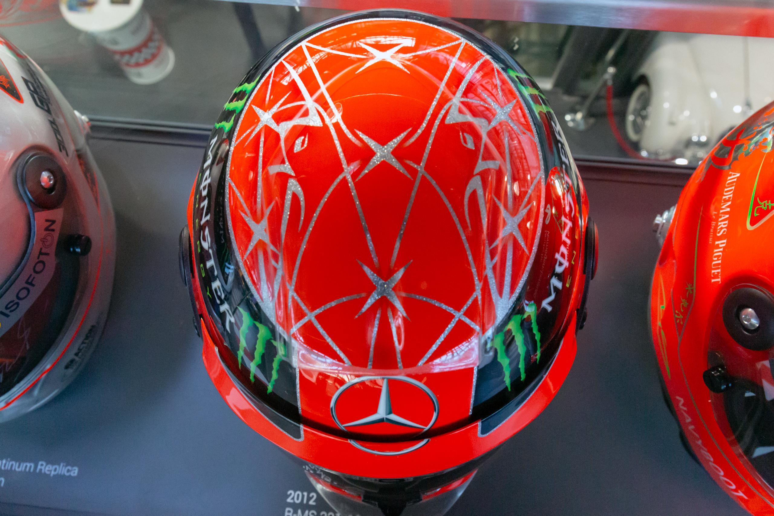 File Michael Schumacher 2012 Brazilian Gp Helmet Top 2019 Michael Schumacher Private Collection Jpg Wikimedia Commons