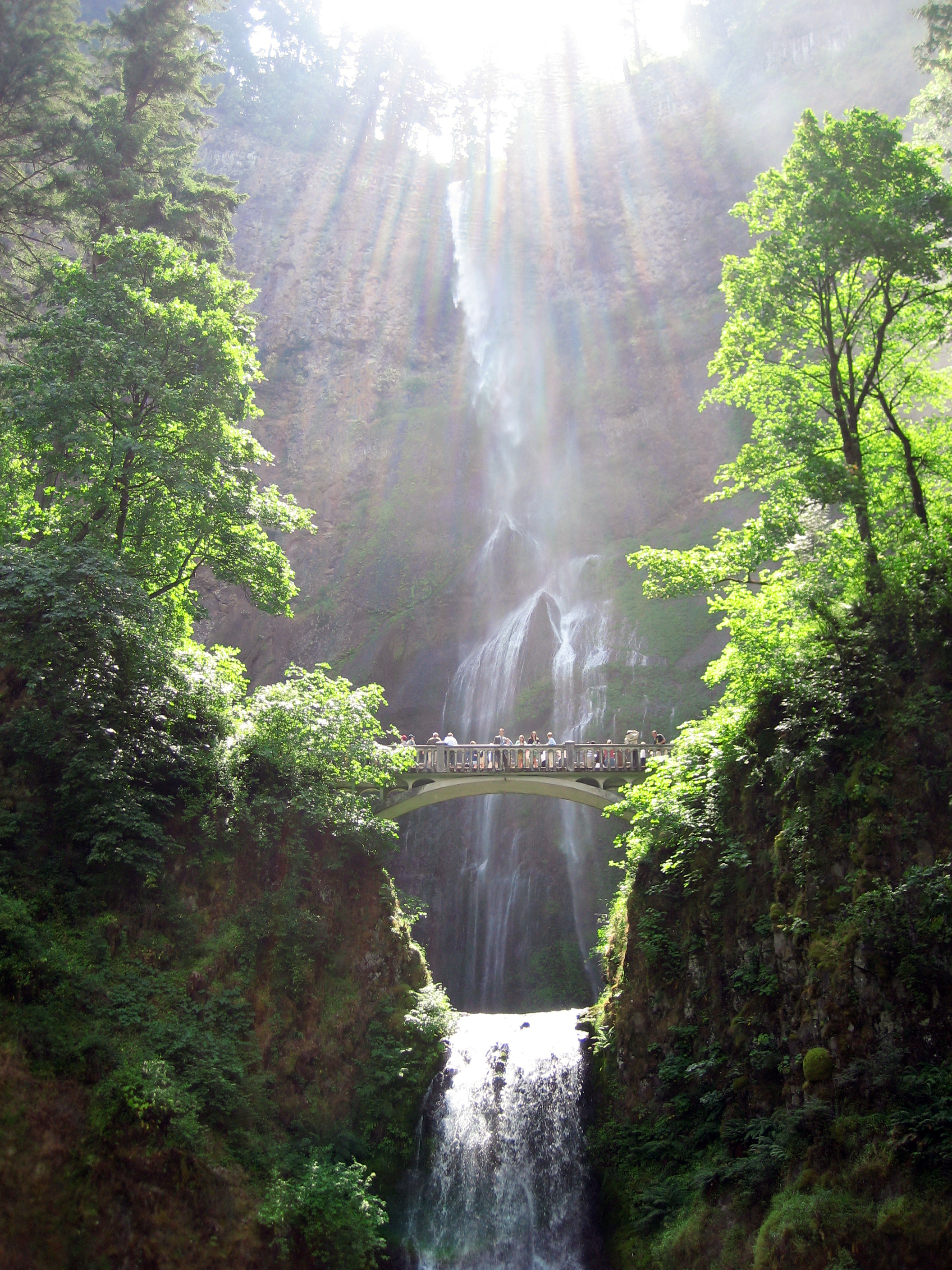 waterfalls in oregon map with File Multnomah Falls  Oregon on Oneonta Gorge Lower Oneonta Falls likewise Multnomah Falls 4051 as well Multnomah Falls Oregon Trail Loop further Multnomah Falls Oregons Tallest Waterfall further Columbia River Cruising Guide.