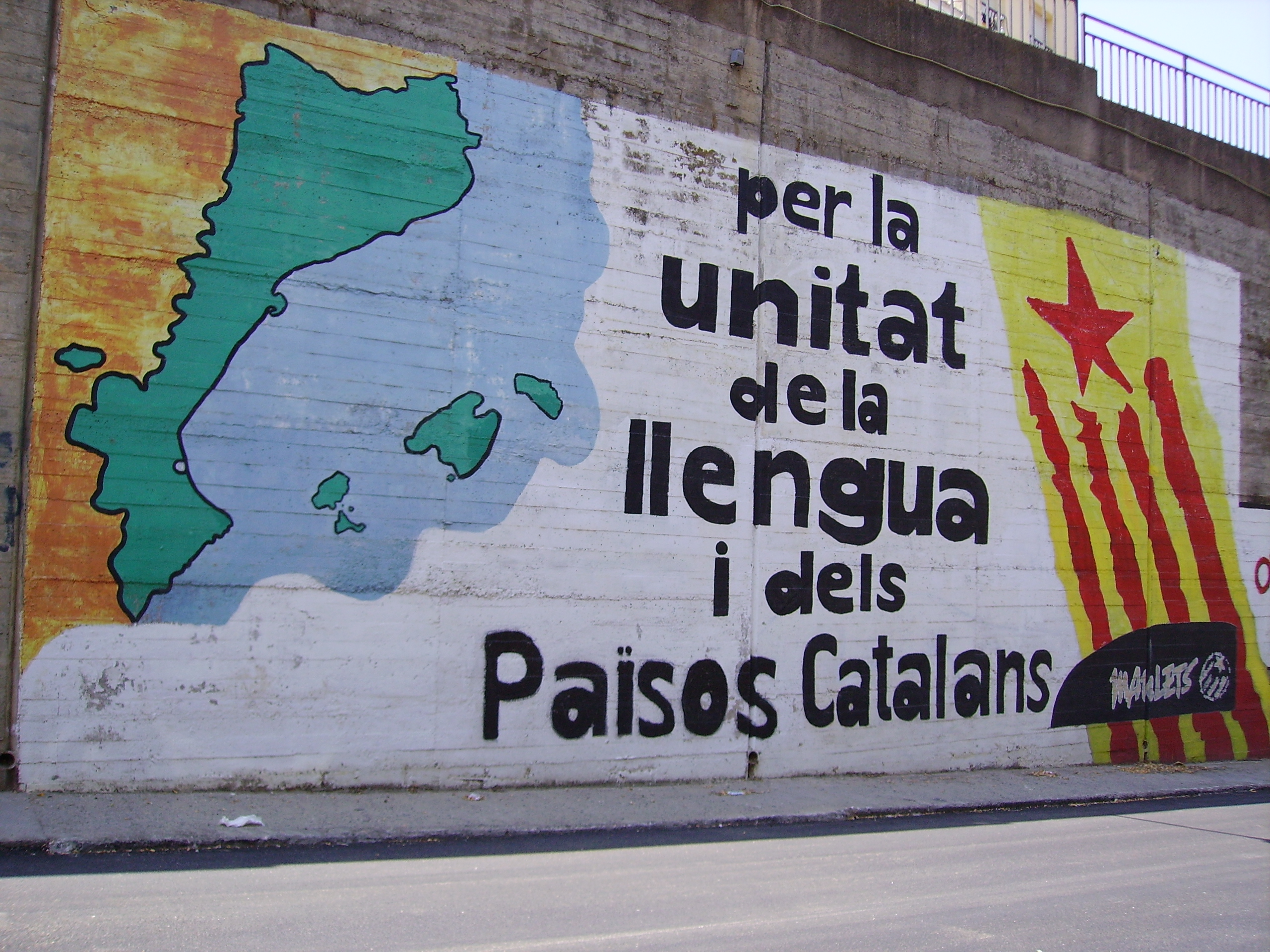 http://upload.wikimedia.org/wikipedia/commons/6/6c/Mural_Països_Catalans.JPG