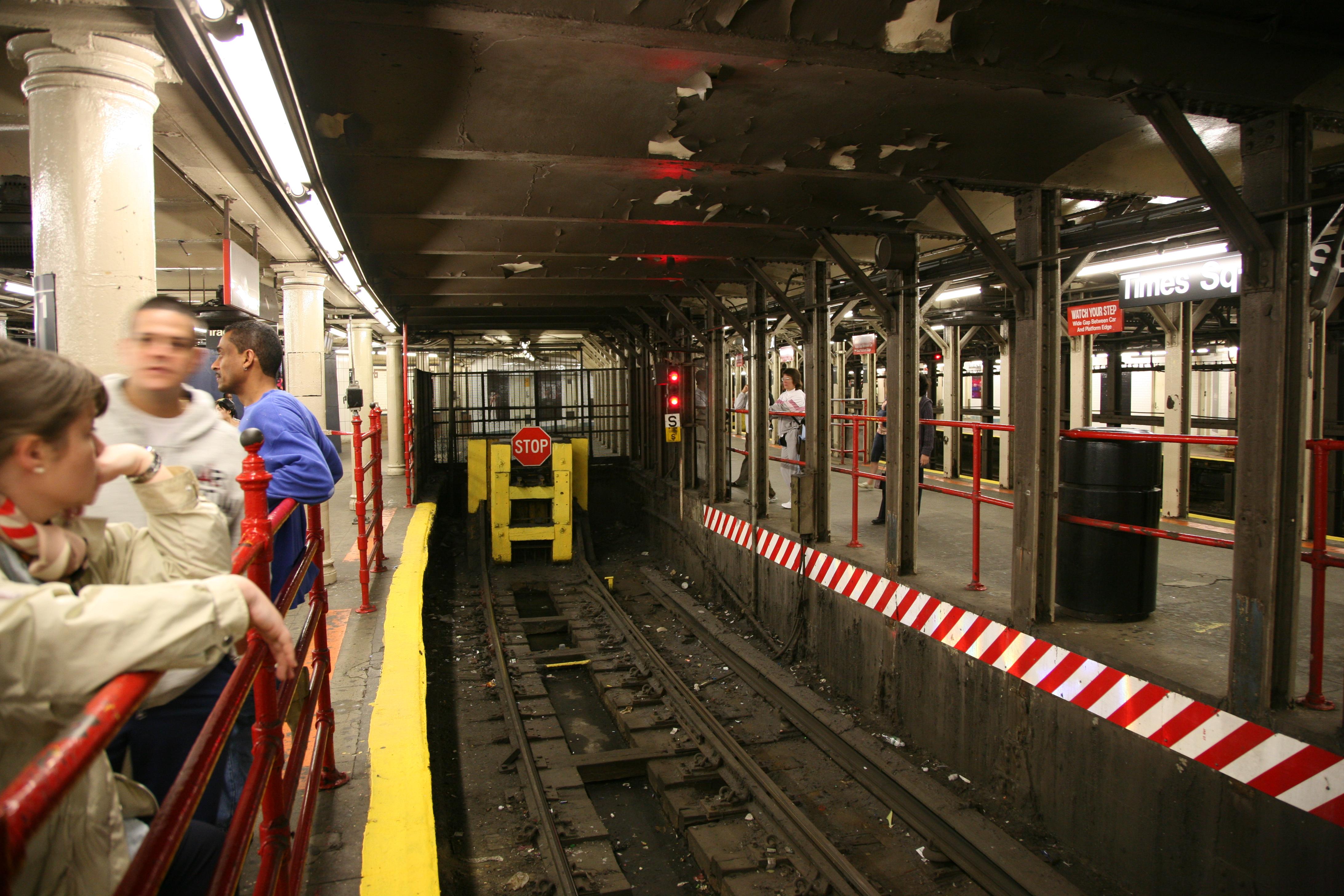 Subway nyc d line xsign