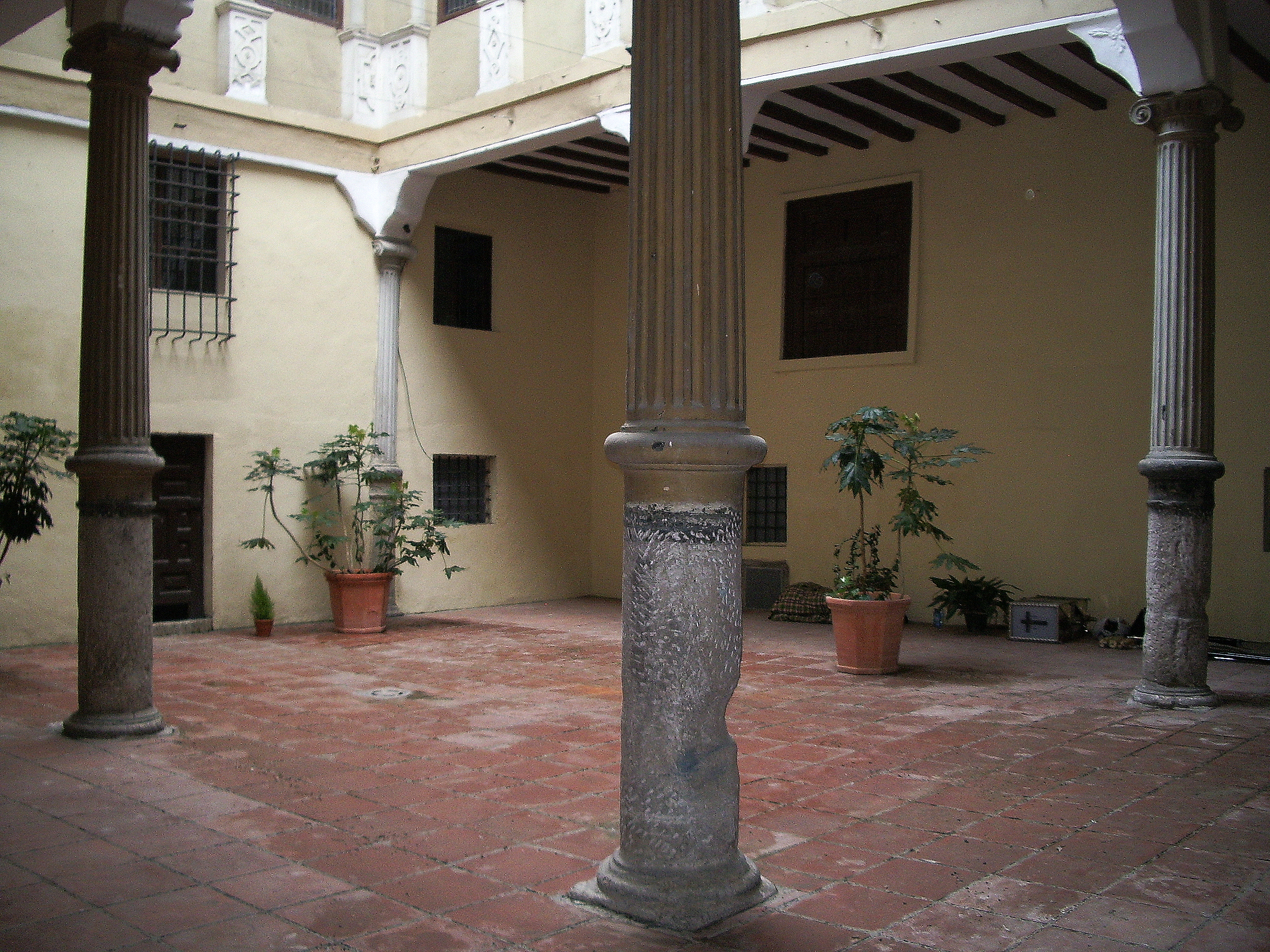 File patio casa de miguel wikimedia commons - Patios de casas ...