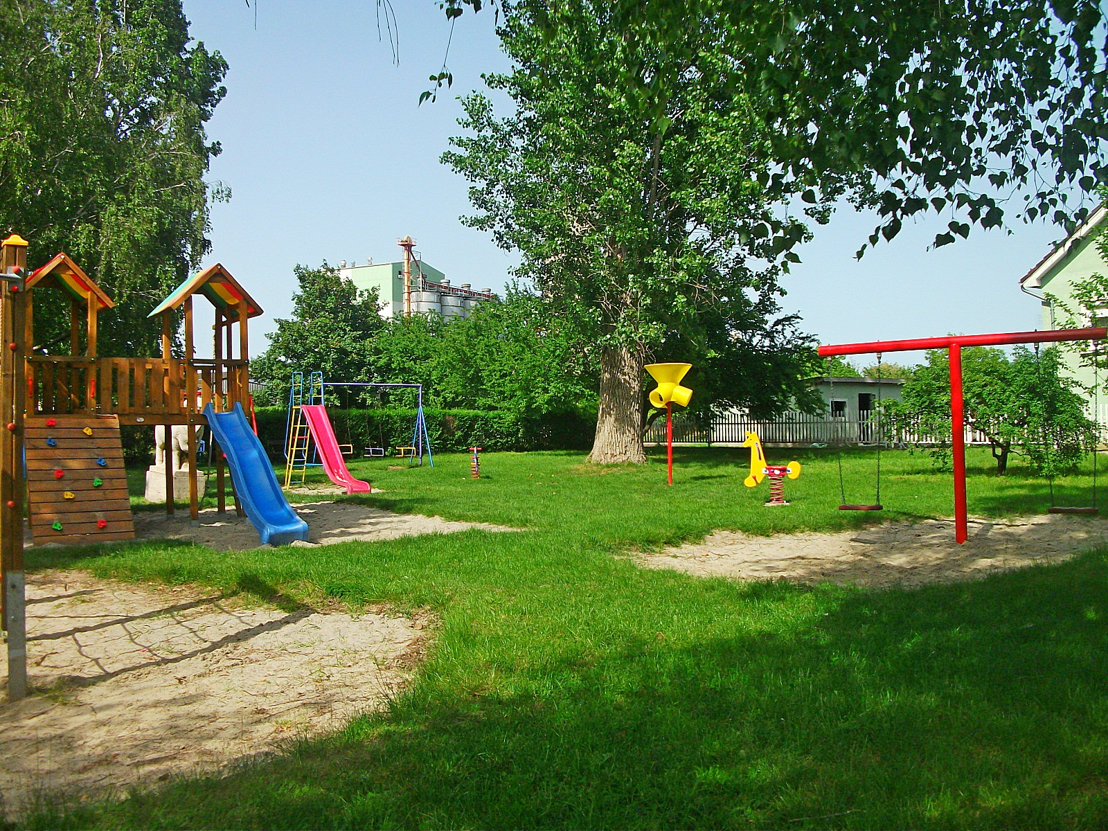 File Playground Zichy 250 Jfalu 02 Jpg Wikimedia Commons