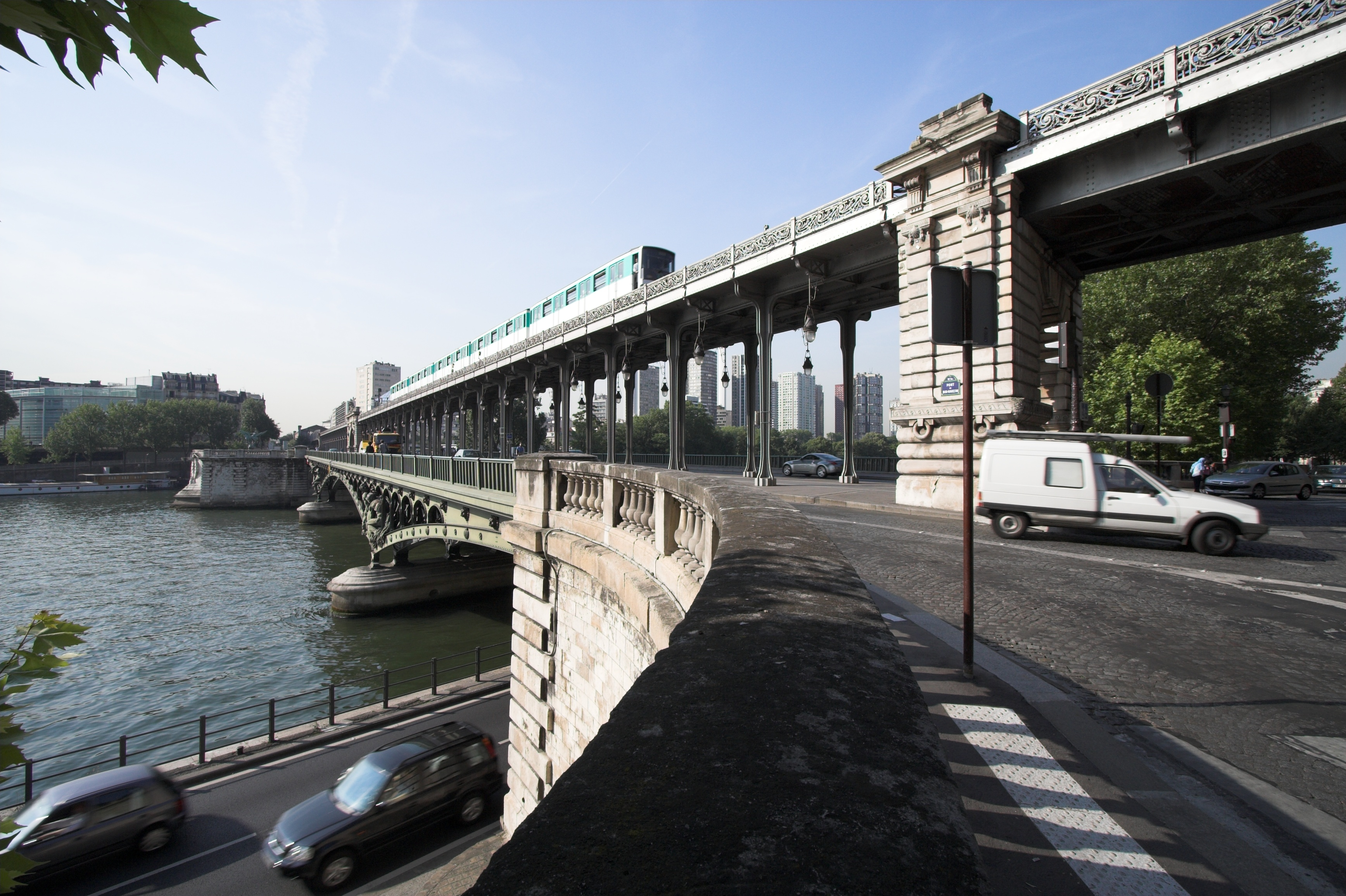 file pont de bir hakeim paris fra wikimedia commons. Black Bedroom Furniture Sets. Home Design Ideas