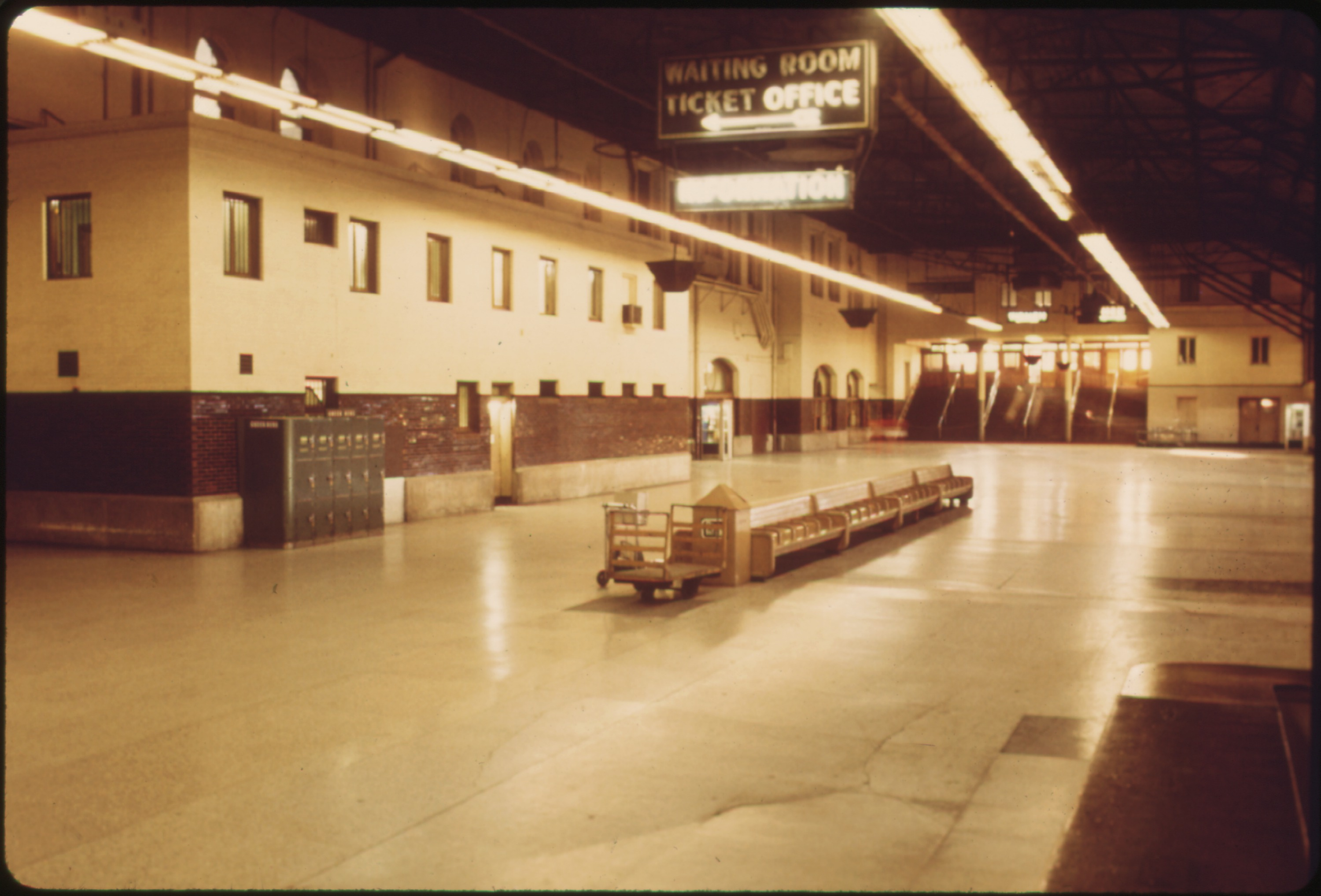 MISSOURI, UNION STATION AS IT APPEARED IN THE SUMMER OF 1974. AMTRAK HAS RENOVATED MANY OF ITS TERMINALS SINCE TAKING RESPONSIBILITY FOR MOST U.S. INTERCITY