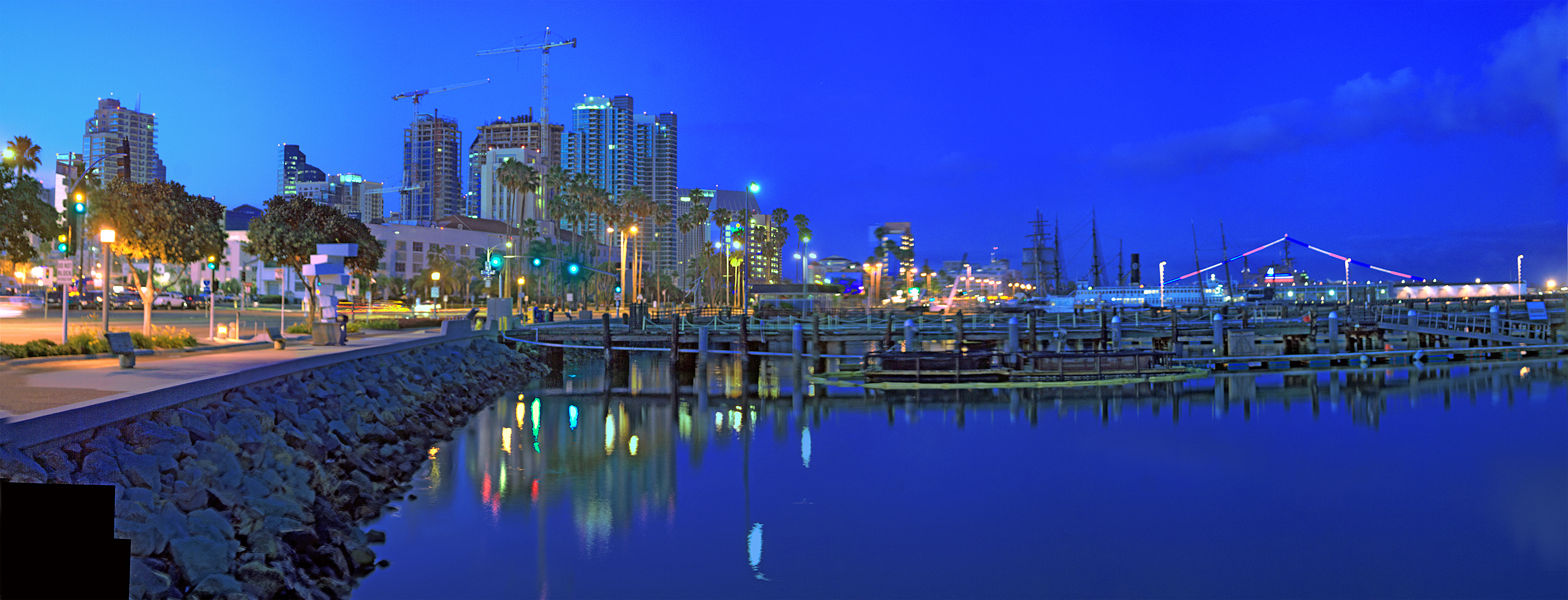 Description San Diego Harbor.jpg