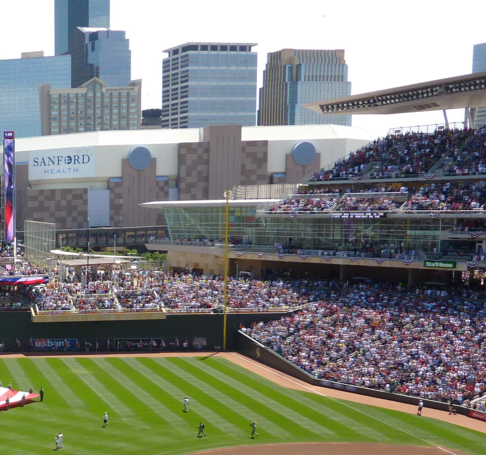 Minneapolis sports venues[edit]
