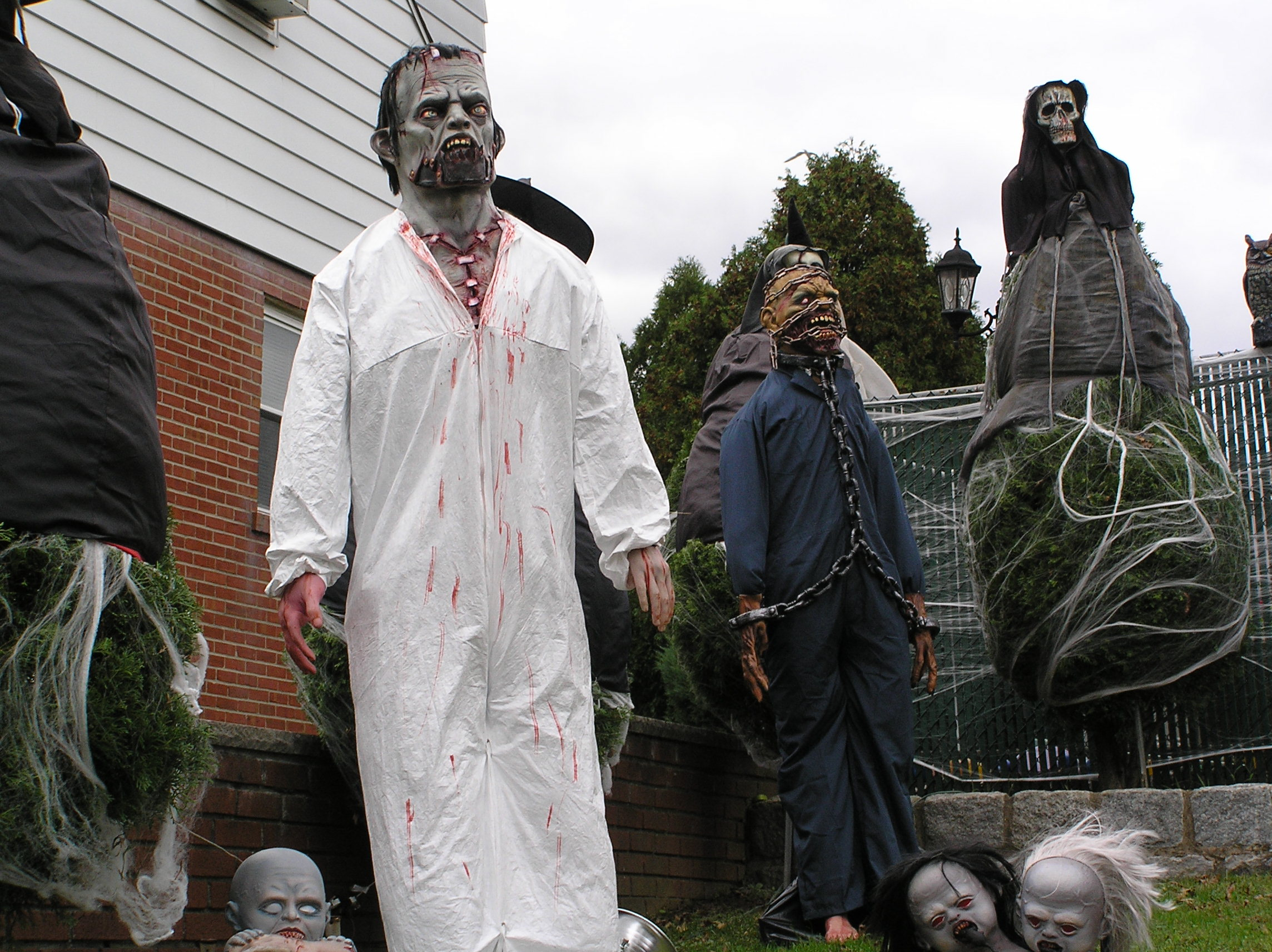 File:Scary Halloween Costumes 2011.JPG - Wikimedia Commons