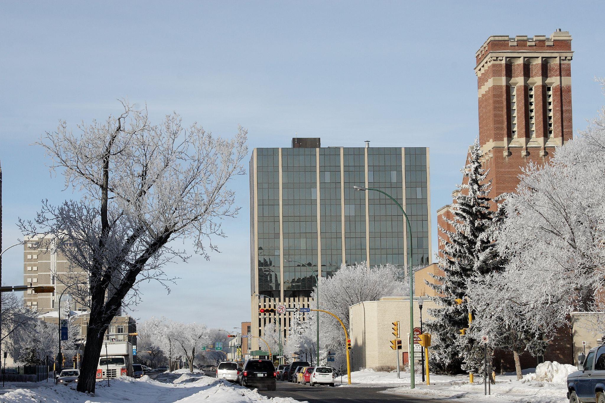 Regina (SK) Canada  City new picture : Description Snowy Victoria Ave, Regina, SK