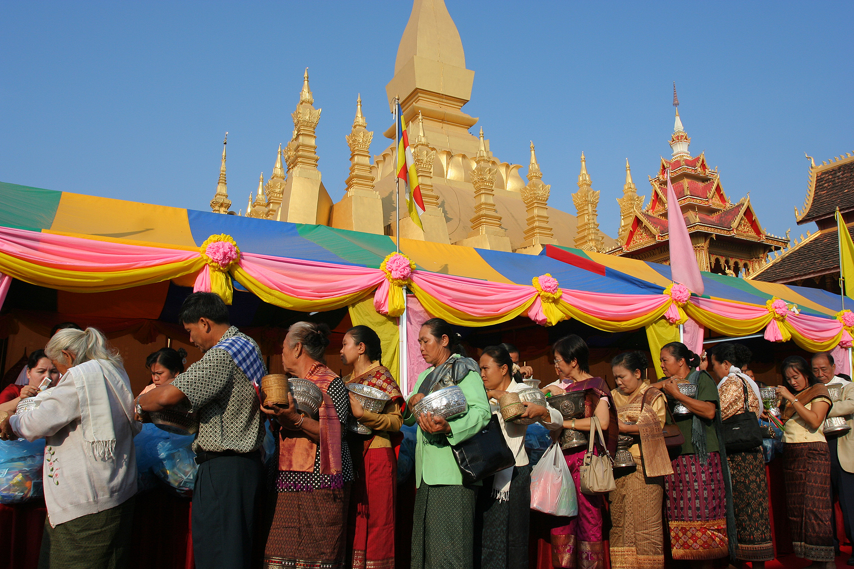 File:That Luang Festival Vientiane Laos.jpg  Wikipedia