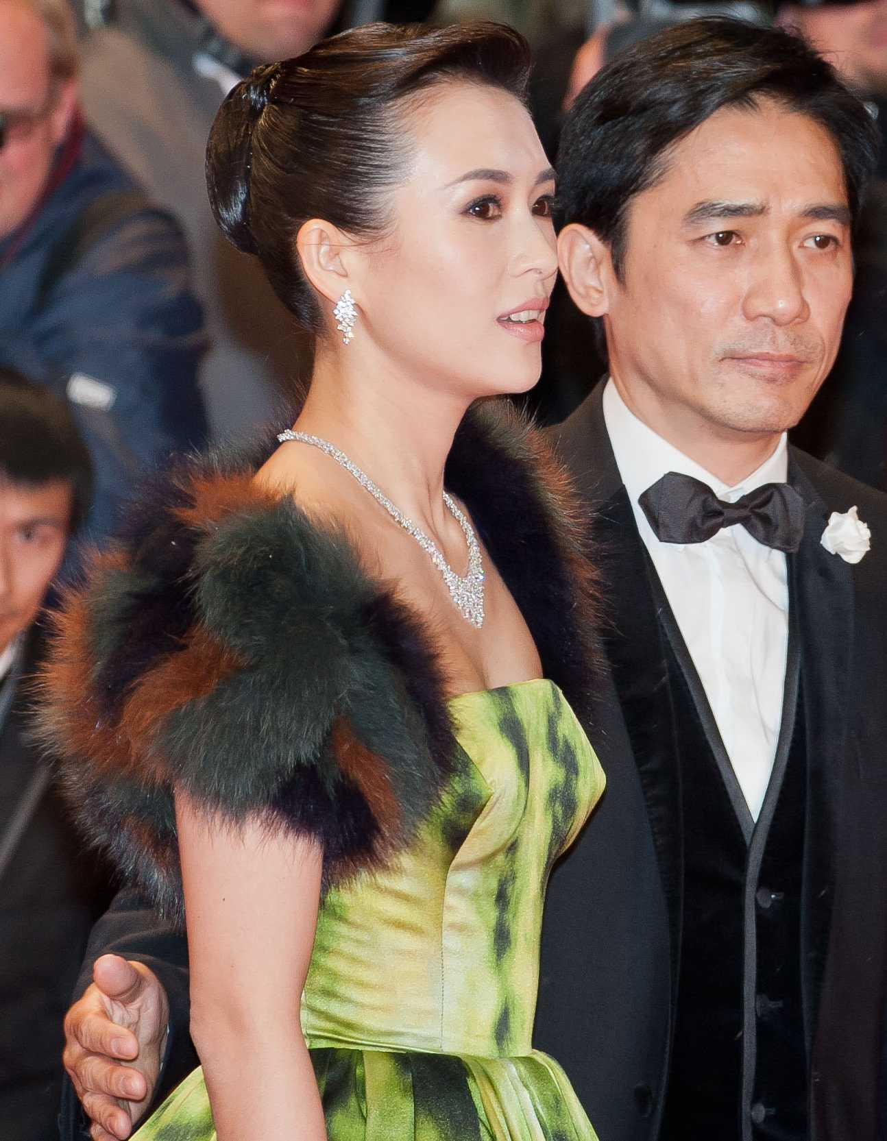 File Tony Leung Chiu Wai And Zhang Ziyi Berlin Film Festival 2013 Cutting Jpg Wikimedia Commons