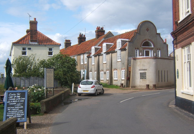 Village scene, Cley-next-the-Sea - geograph.org.uk - 955281
