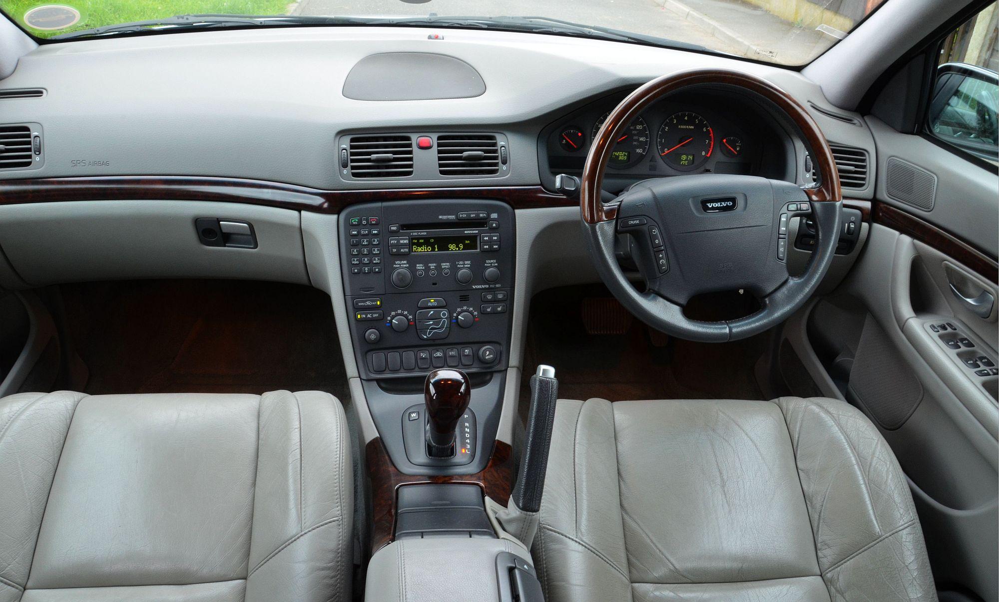 2005 Volvo S60 R Sedan 2 5l Turbo Awd Manual