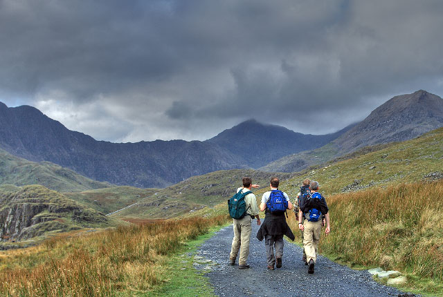 Walkers approaching Snowdon - geograph.org.uk - 596415