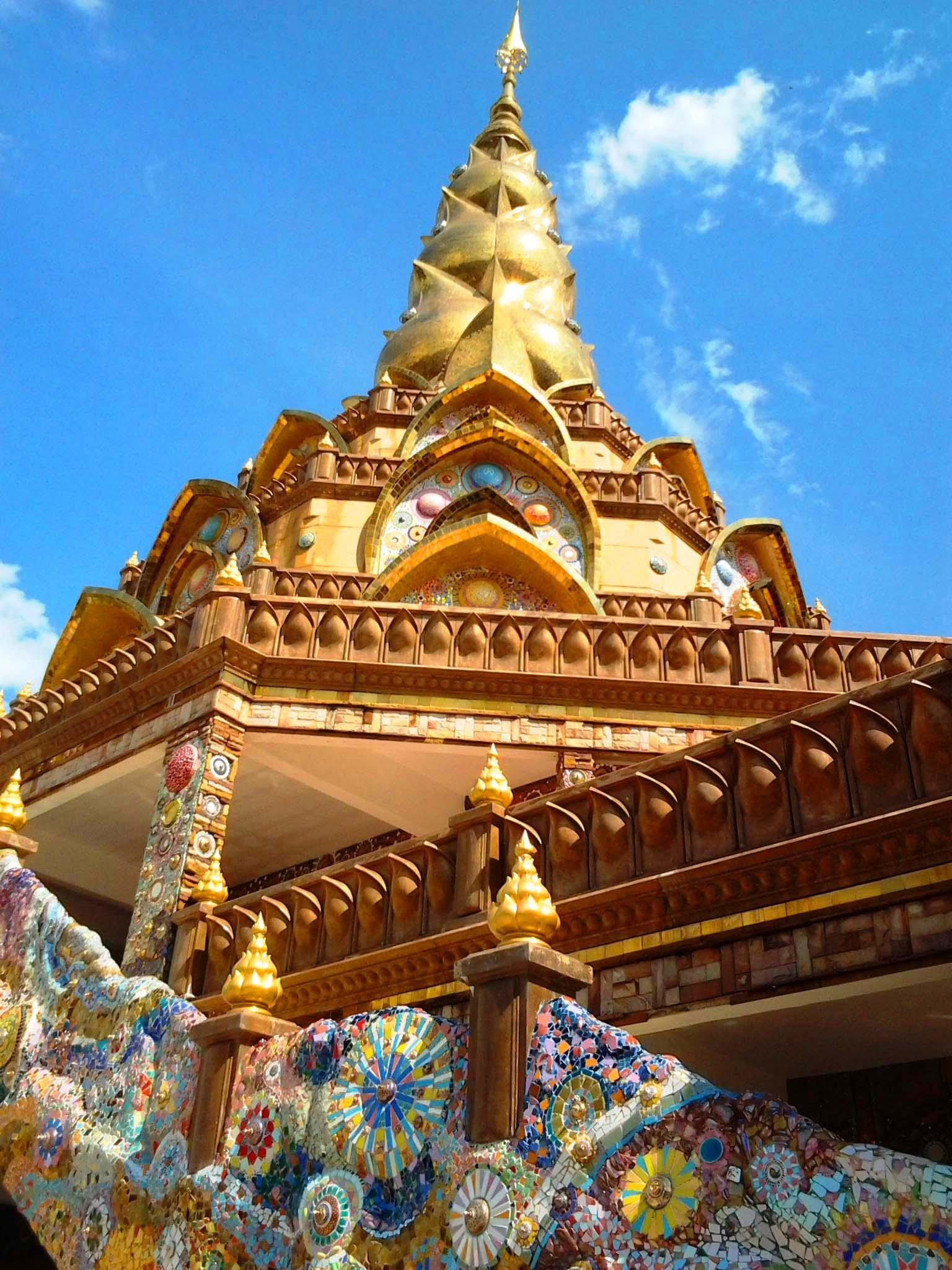 Wat Pha Sorn Kaew 05.jpg
