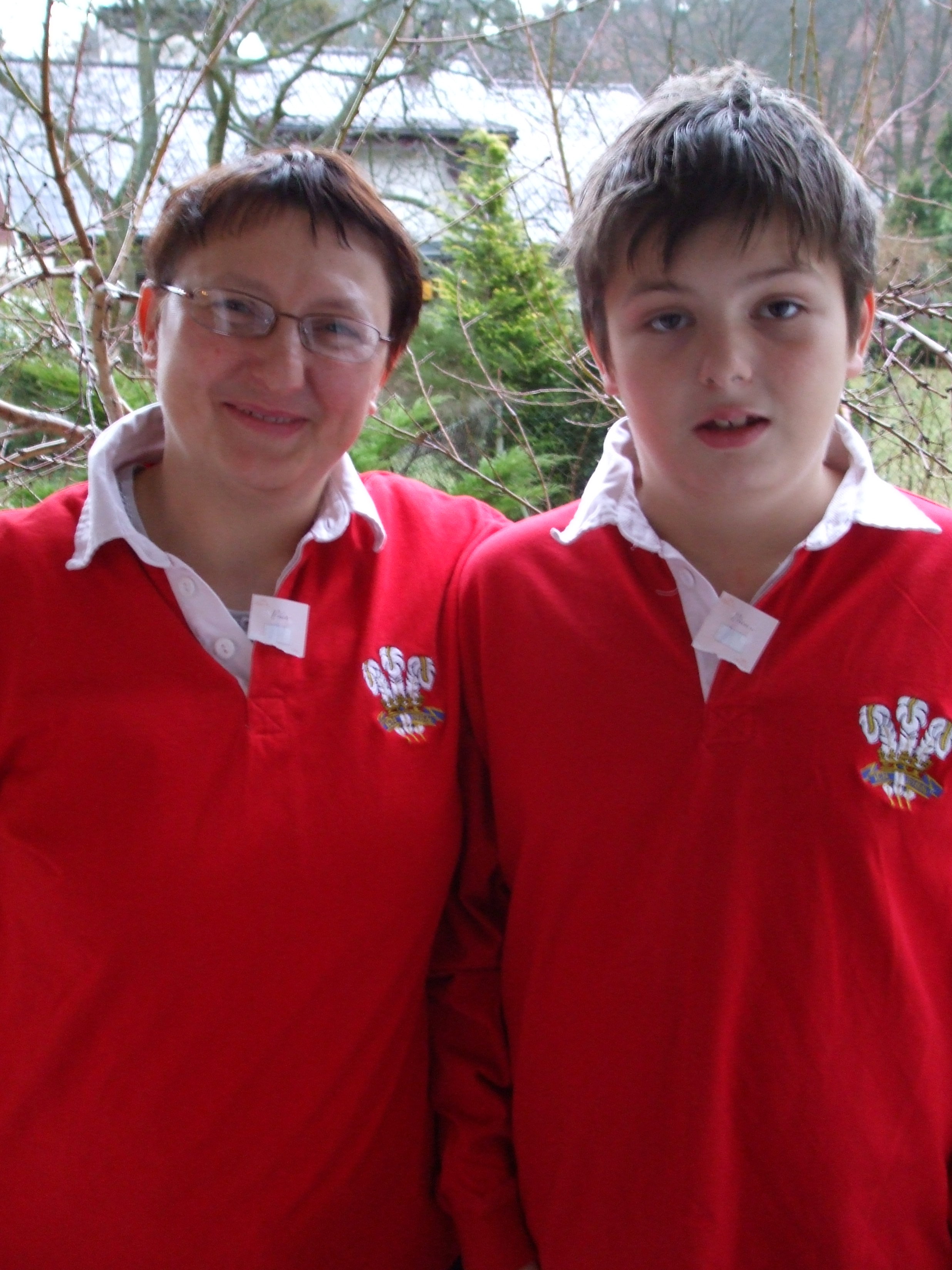 Elka+Misiek disguised as Welsh Rugby Fans