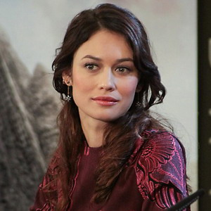 The 38-year old daughter of father Konstantyn Kurylenko and mother Maryna Alyabusheva Olga Kurylenko in 2018 photo. Olga Kurylenko earned a unknown million dollar salary - leaving the net worth at 18 million in 2018