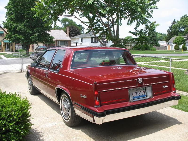 File:1985 Cadillac Coupe Deville rvl.jpg - Wikimedia Commons