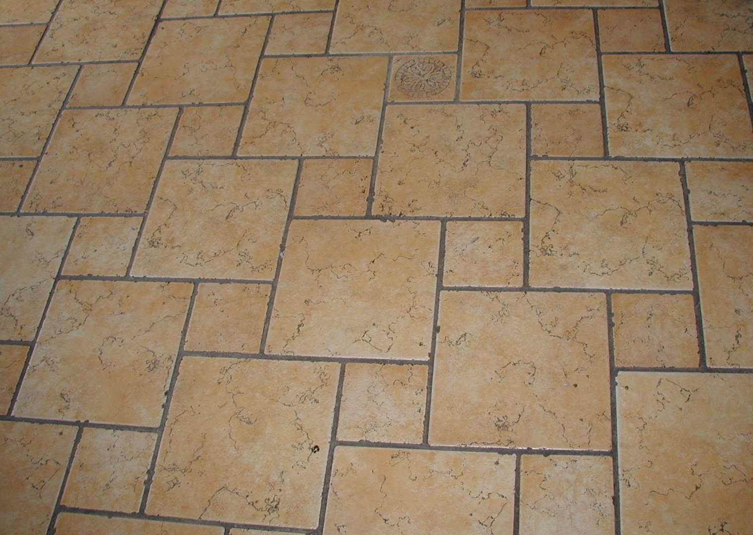 Tile simple english wikipedia the free encyclopedia for Hard floor tiles