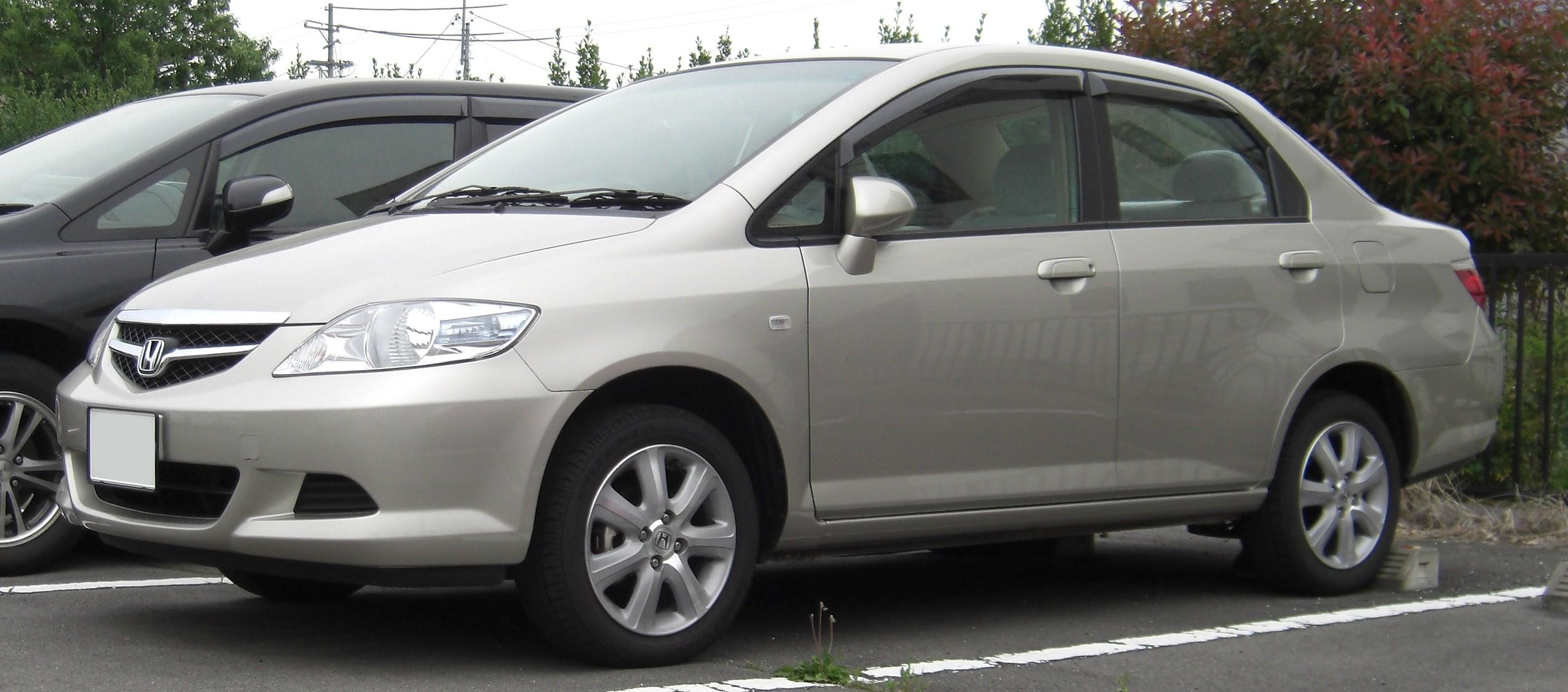 File 2005 2009 Honda Fit Aria Jpg Wikimedia Commons
