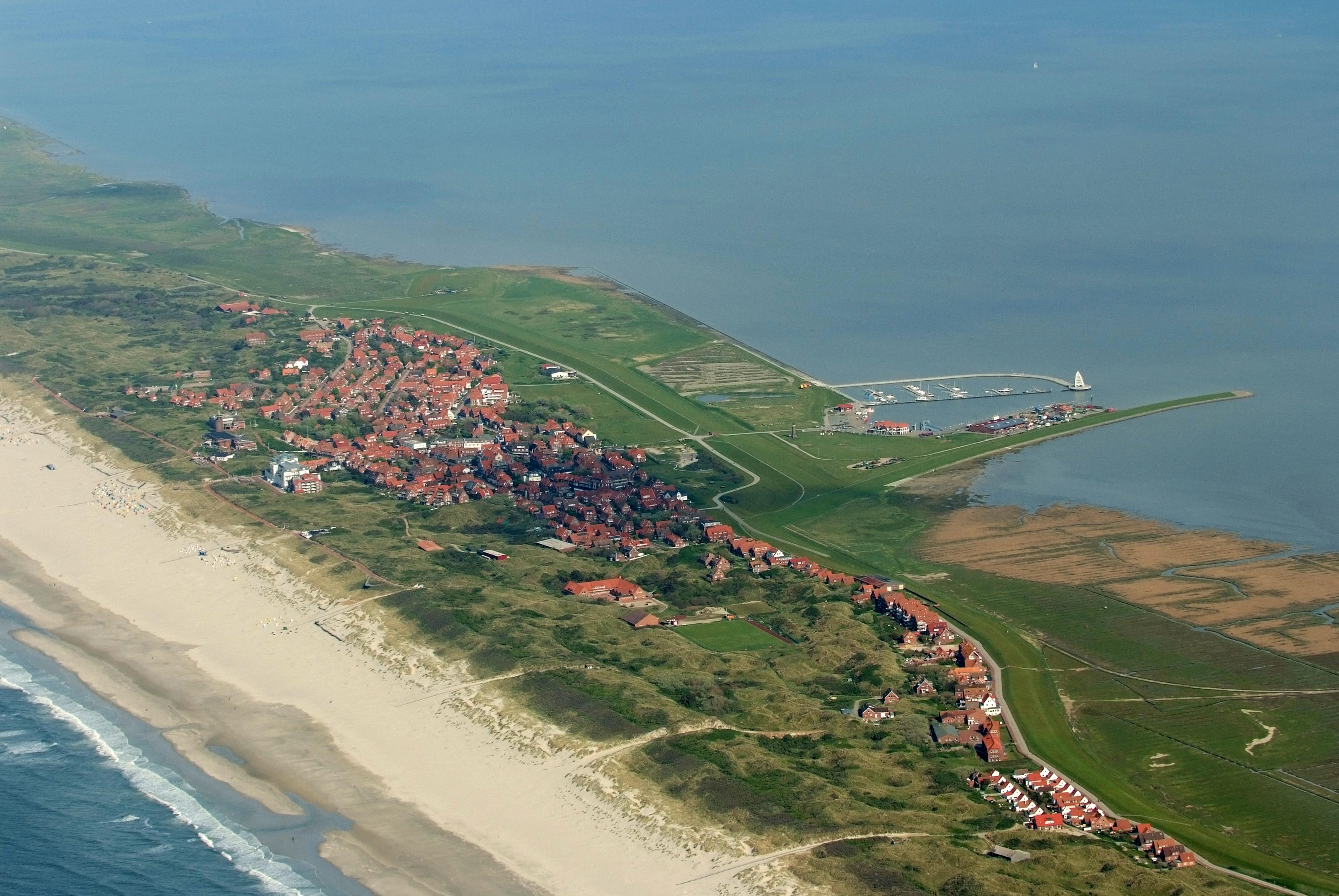 File:2012-05-13 Nordsee-Luftbilder DSCF8820.jpg - Wikimedia Commons