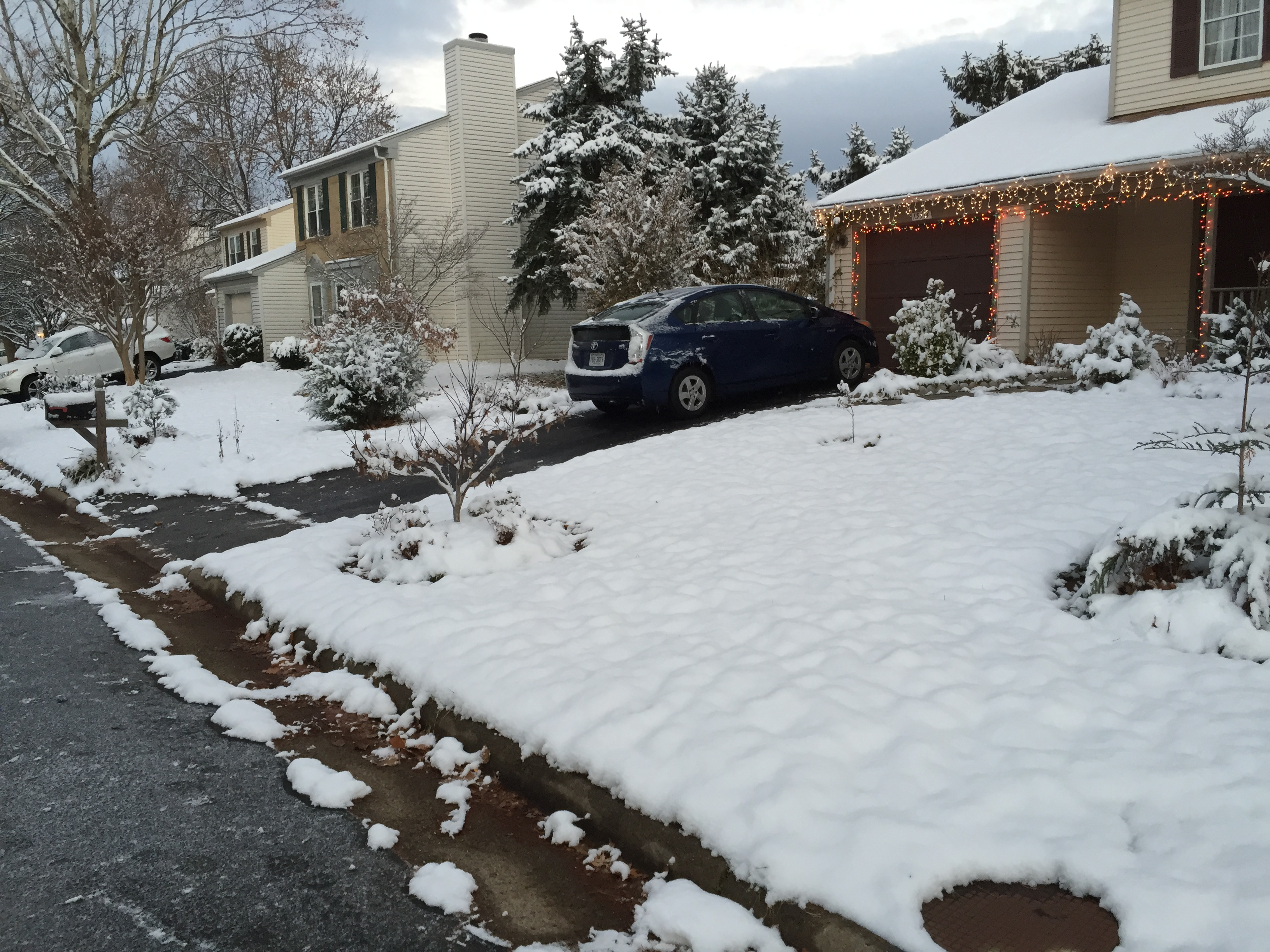 File:2017-12-10 07 17 06 A house with Christmas lights and snow ...