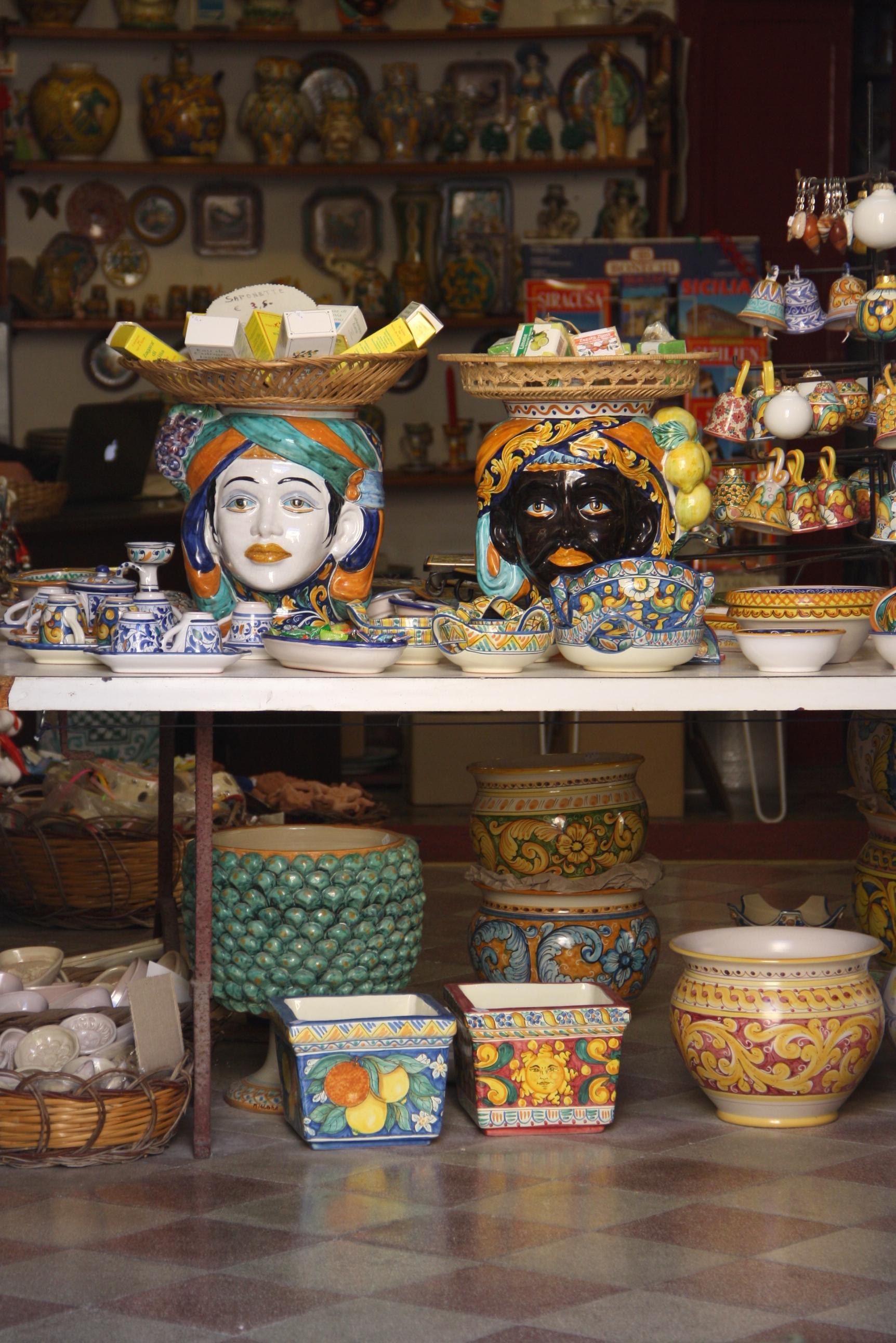 file 4965 siracusa negozio di ceramiche siciliane in