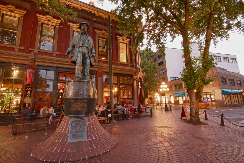 gastown gassy jack statue vancouver