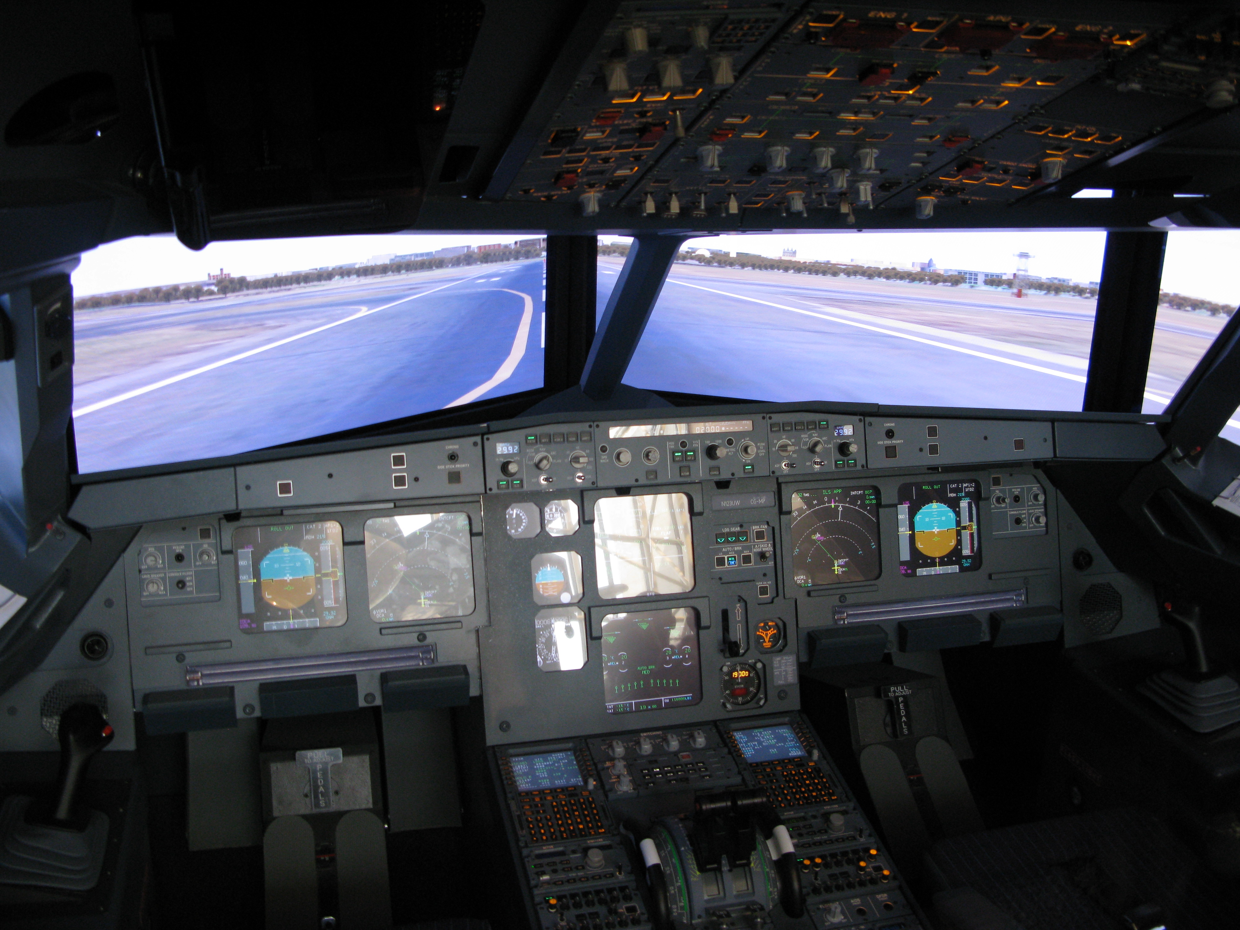 File:Airbus A320 Glass Cockpit jpg - Wikimedia Commons