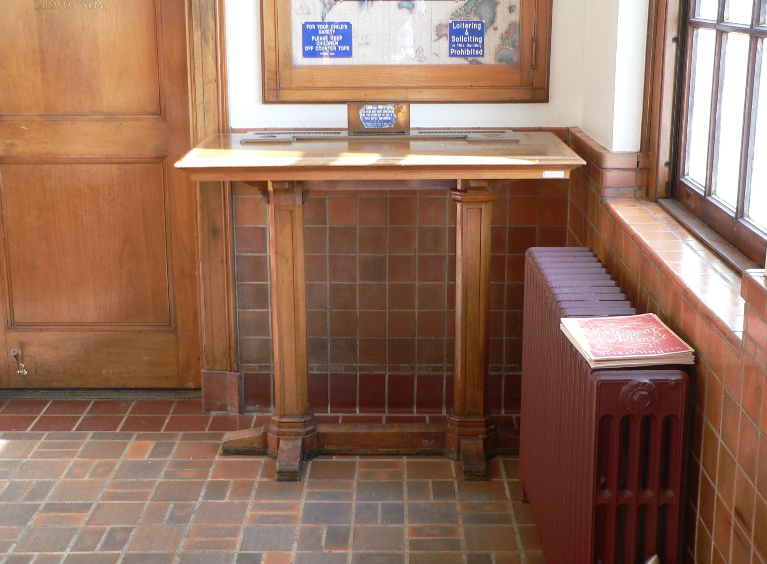 File Albion Post Office Interior Table 1 Jpg Wikimedia Commons