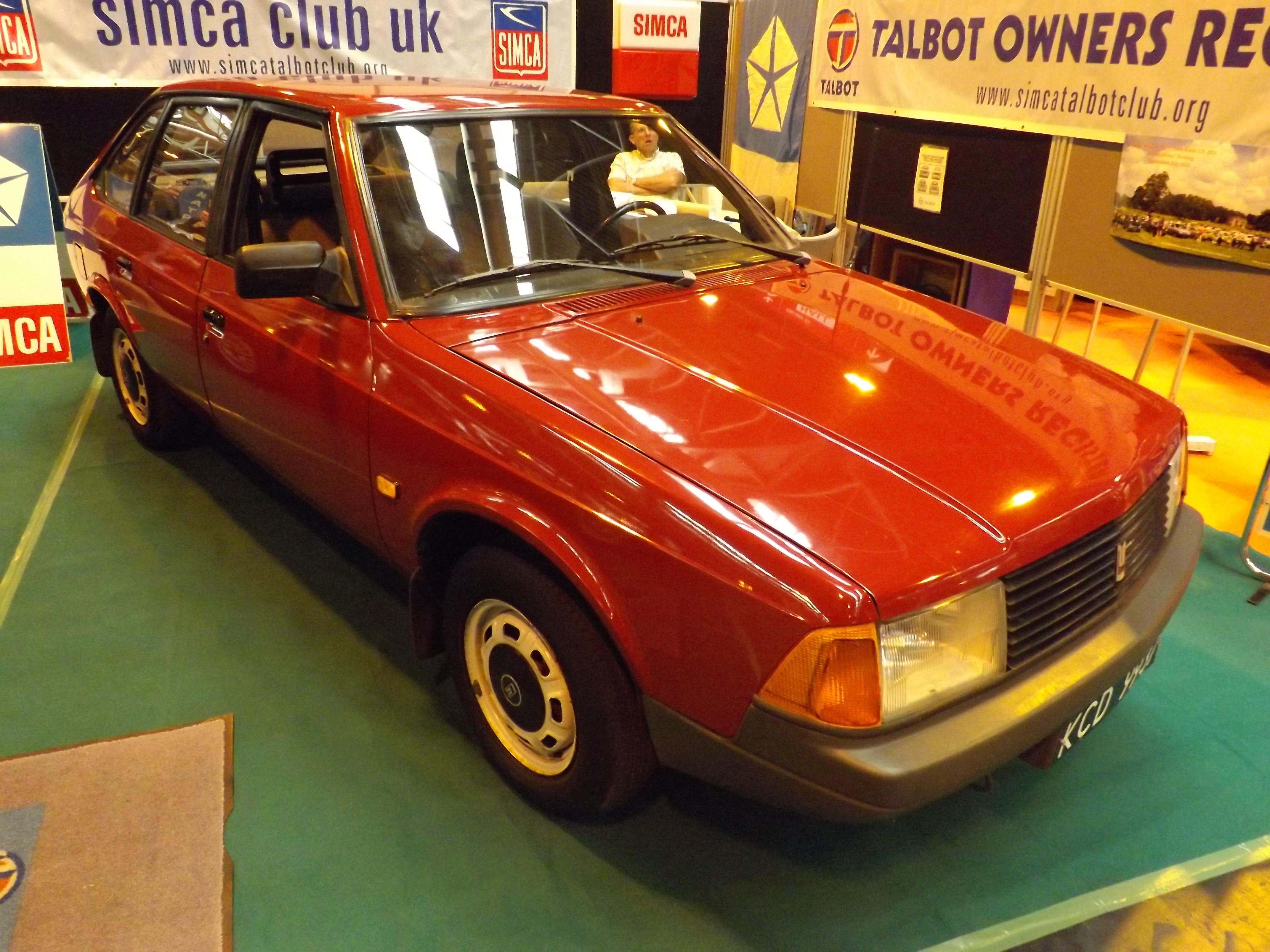 Aleko 2141 S (Moskvitch Chrysler-Talbot Alpine lookalike) (15805415925).jpg