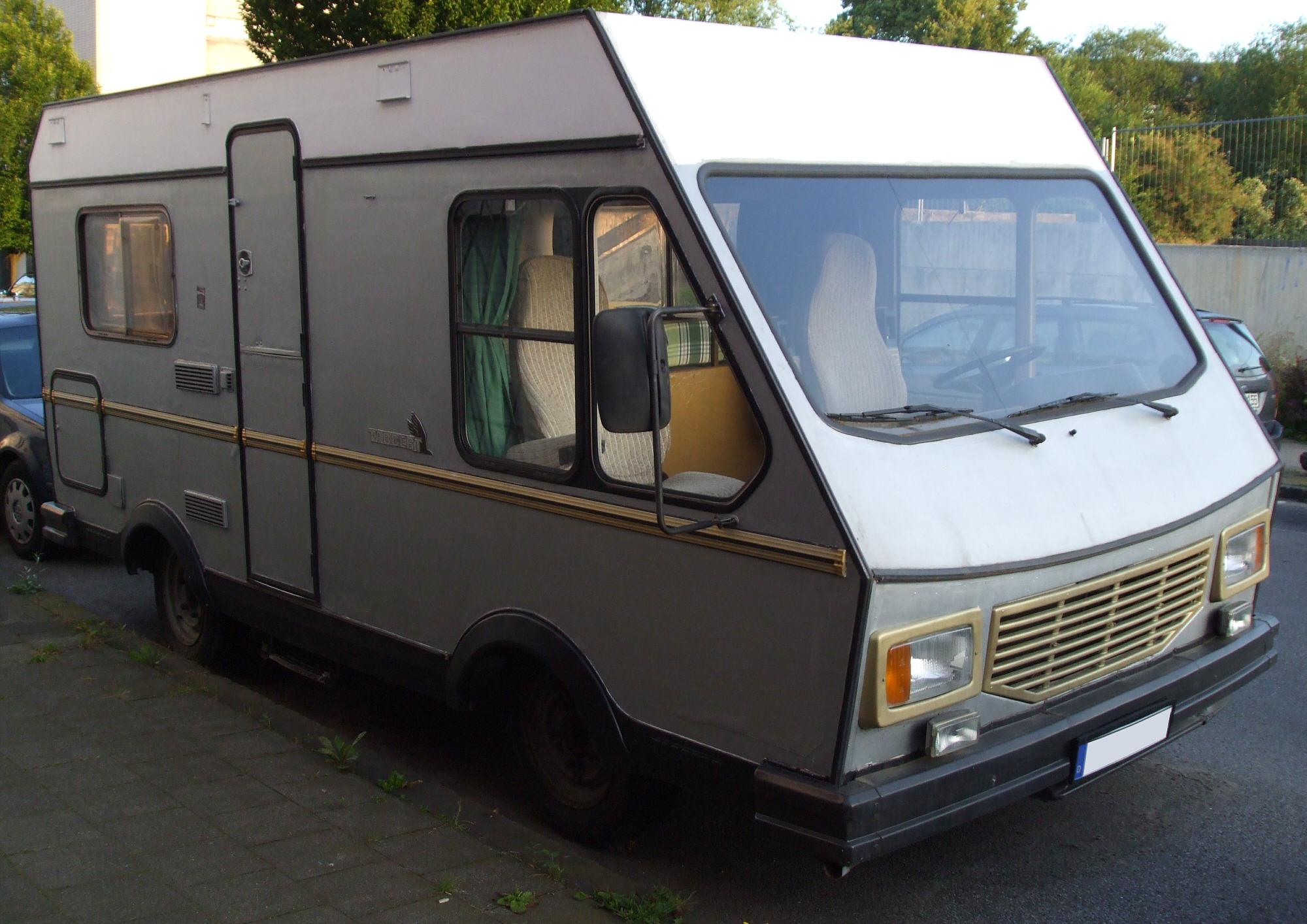 File:Altes Peugeot-Tabbert-Wohnmobil vr.jpg - Wikimedia Commons