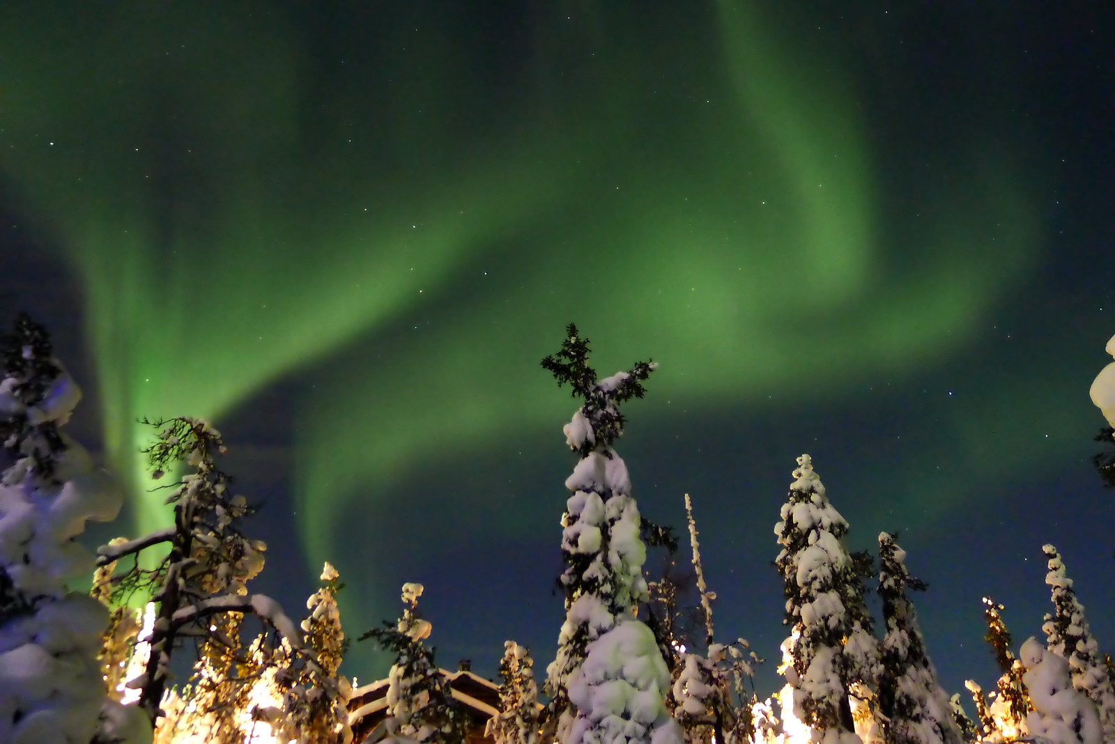 File:Aurora borealis in Ruka, Finland.jpg