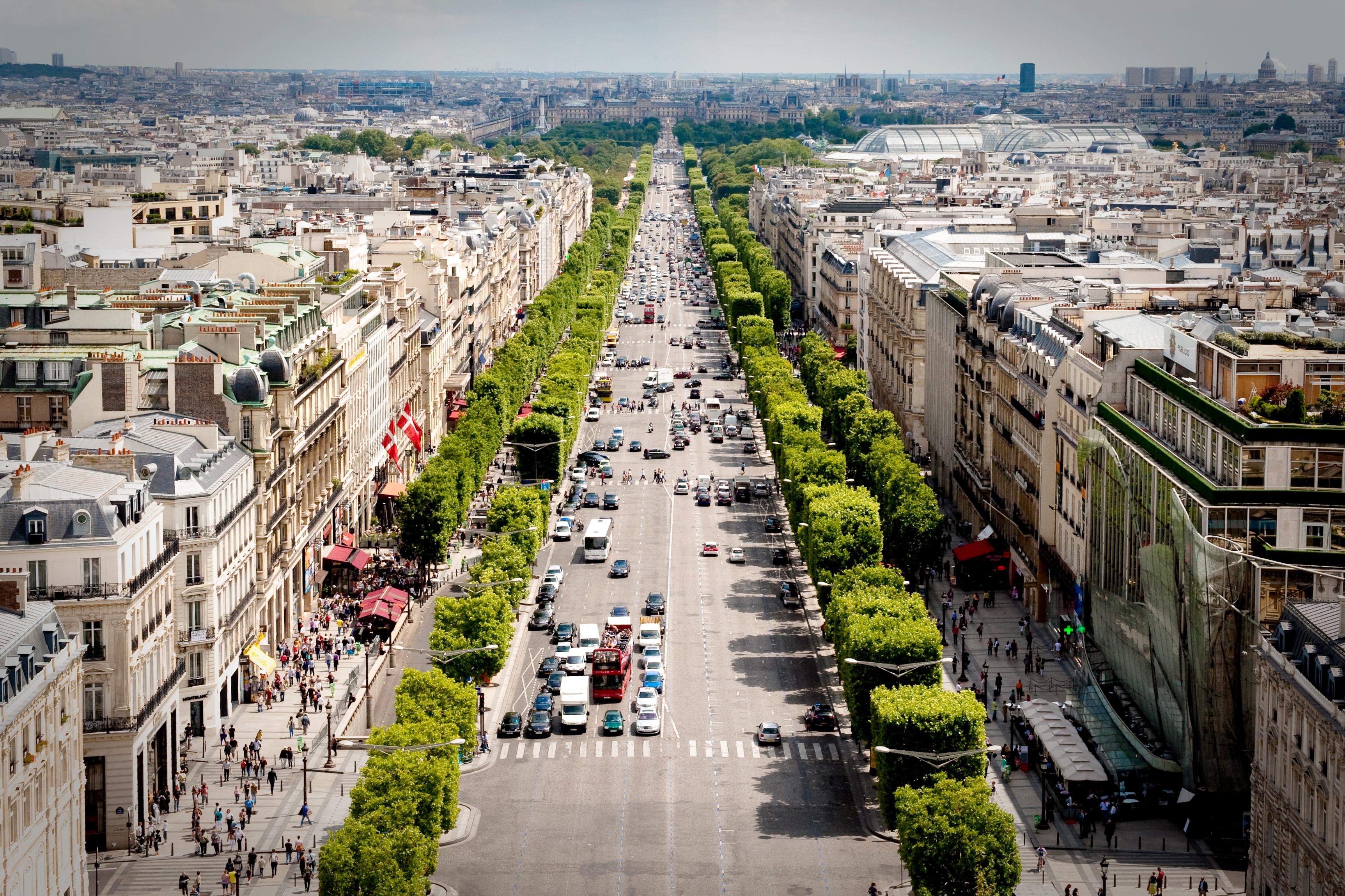 Avenue des Champs-Élysées - Paris
