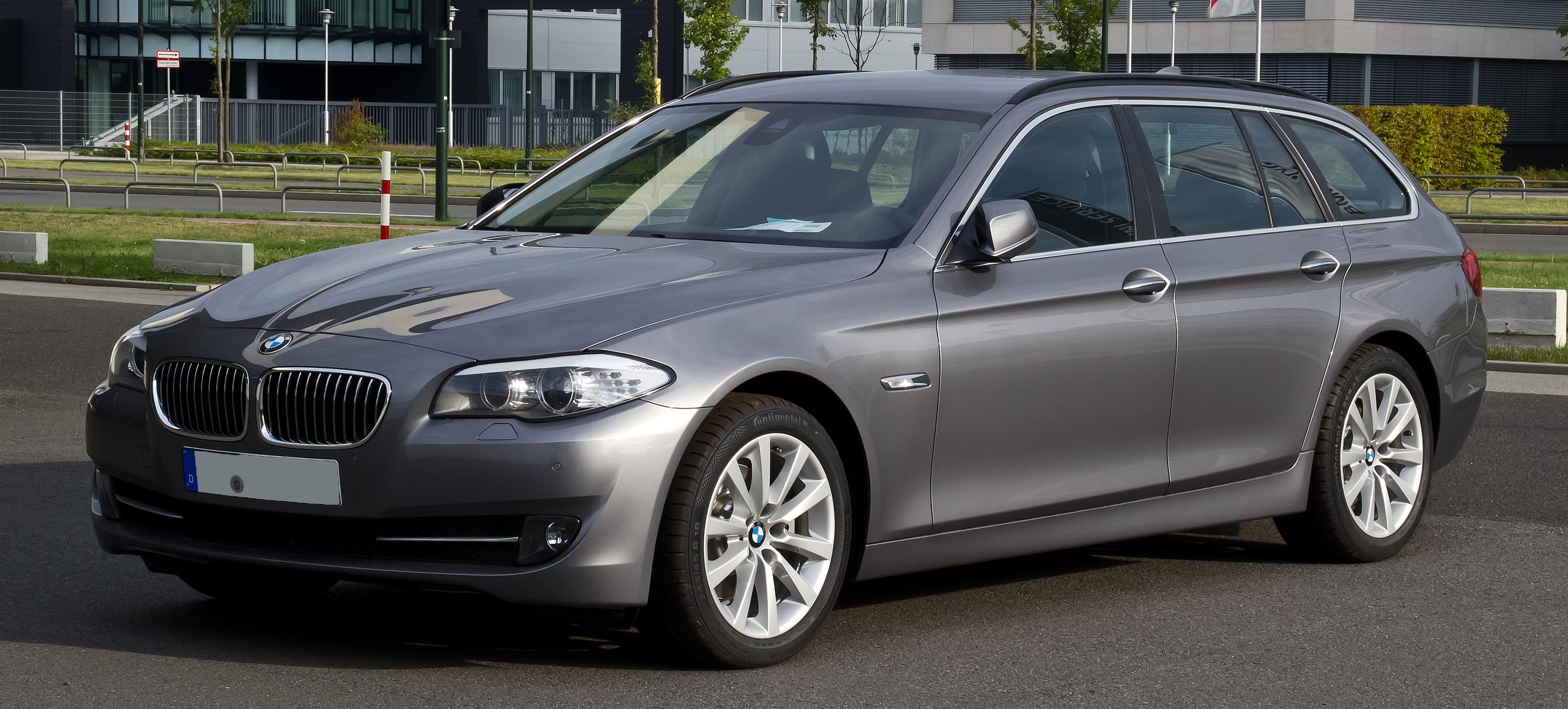 File:BMW 5er Touring (F11) – Frontansicht, 2. September ...