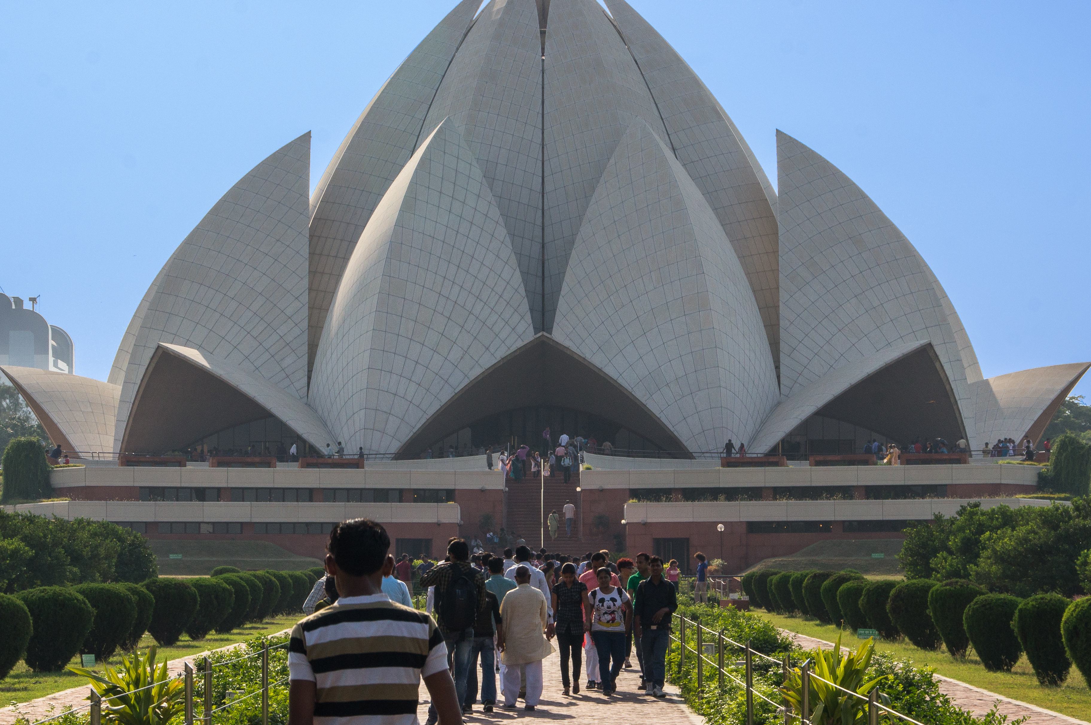 File Bahai Lotus Temple New Delhi Jpg Wikimedia Commons