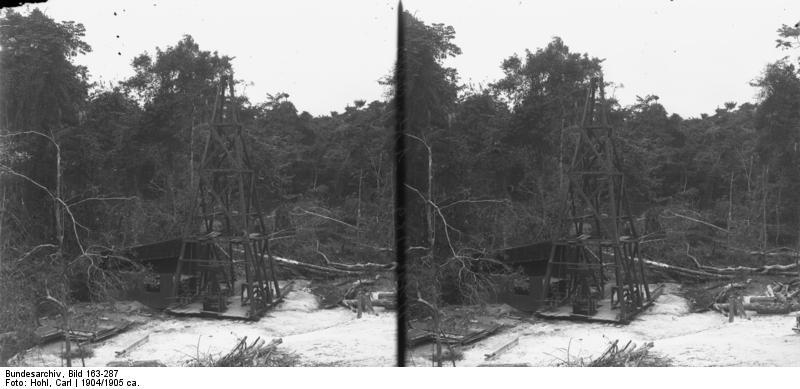 File:Bundesarchiv Bild 163-287, Kamerun, Duala, Ölbohrung.jpg
