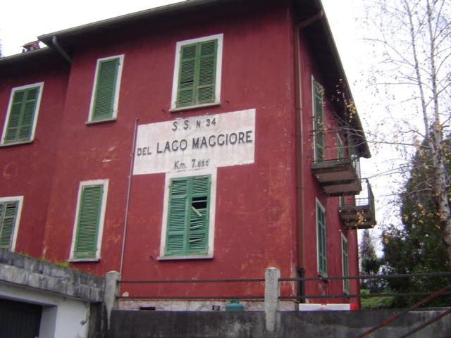 File casa cantoniera anas a verbania suna ss 34 del lago for Lago maggiore casa