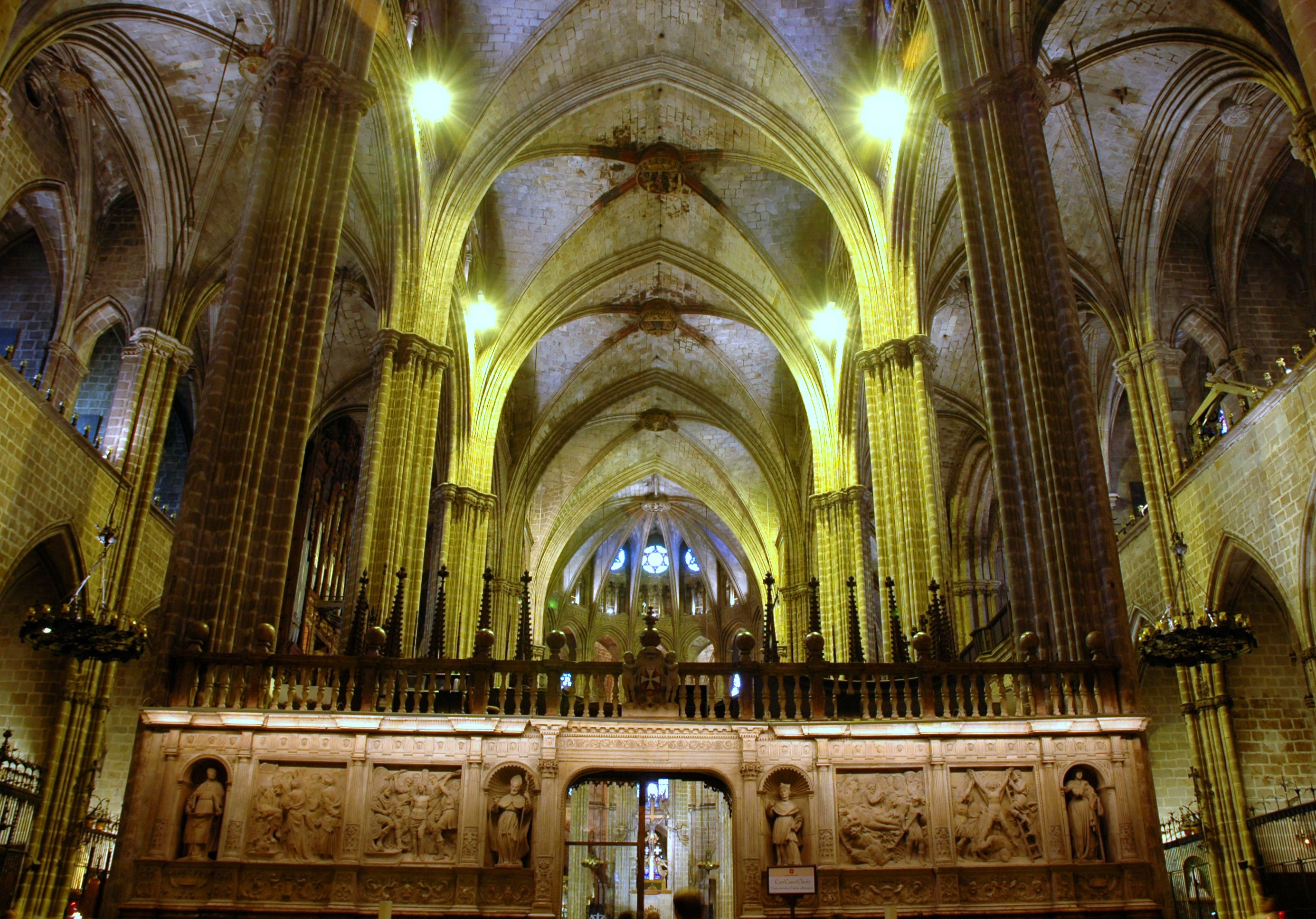 fitxer catedral de barcelona interior jpg viquip dia