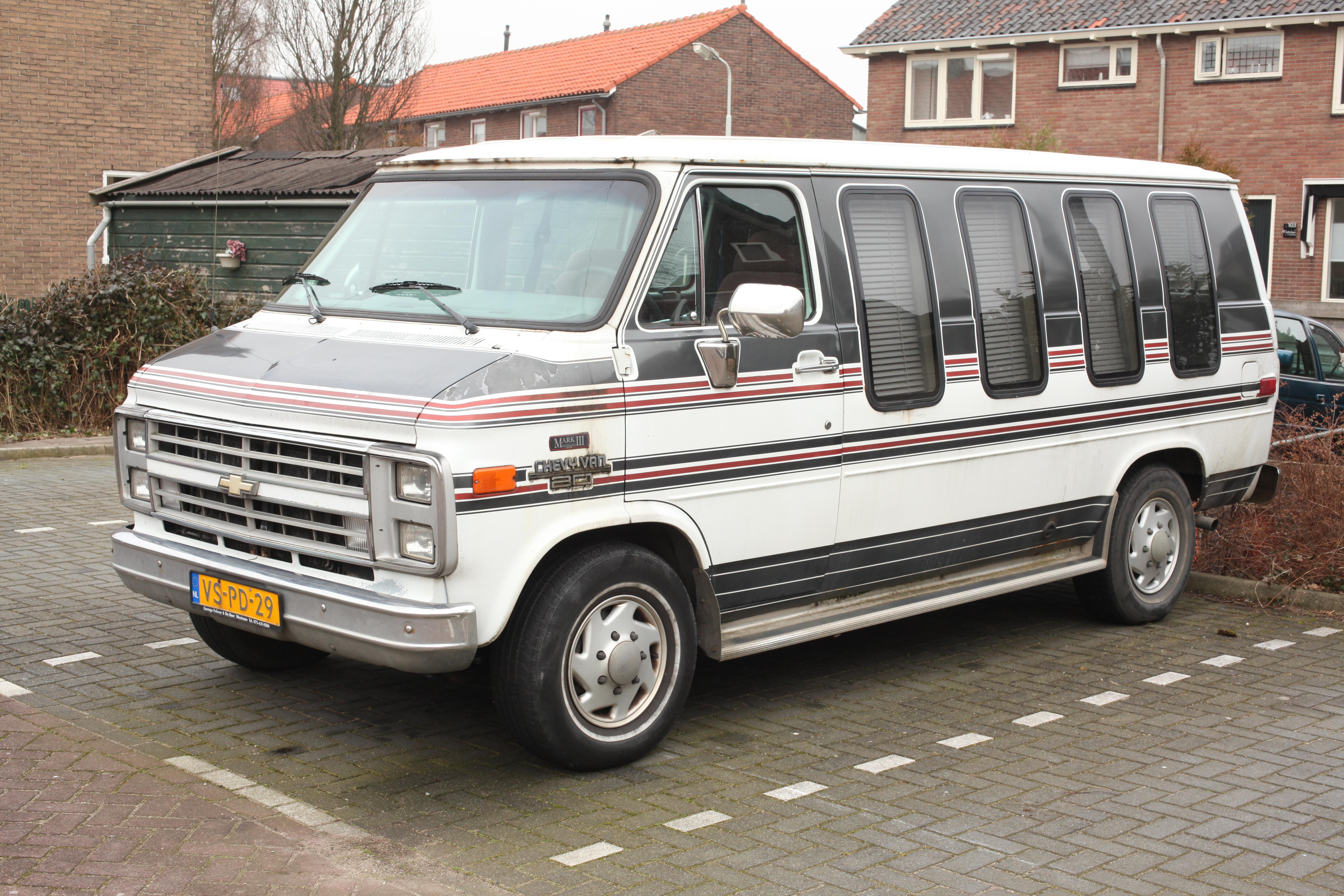 1993 Gmc Vandura File Chevrolet Chevy Van 20 Globemaster